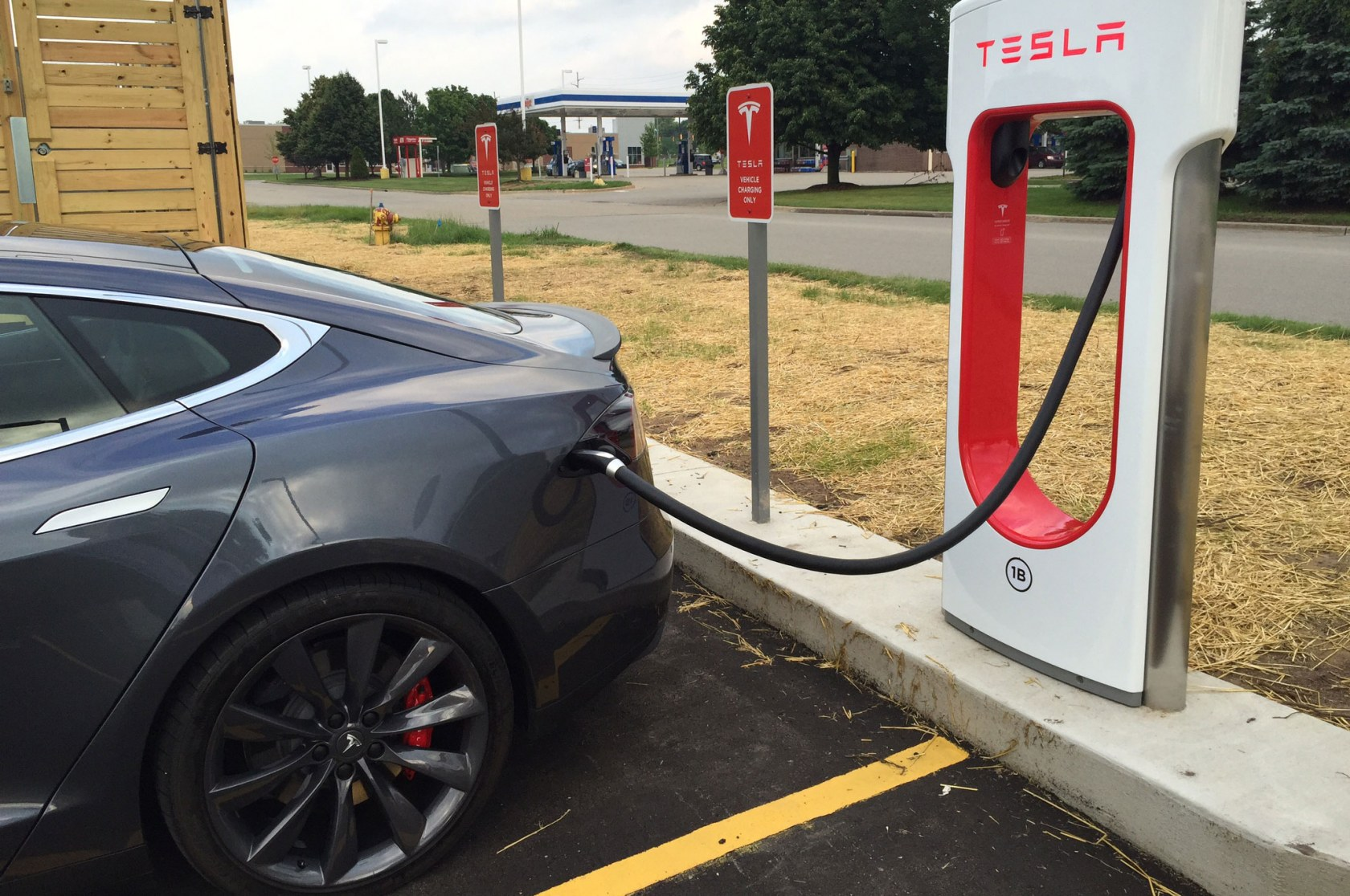 Tesla launches Supercharger V3 with '1000mi/hr' charge rate