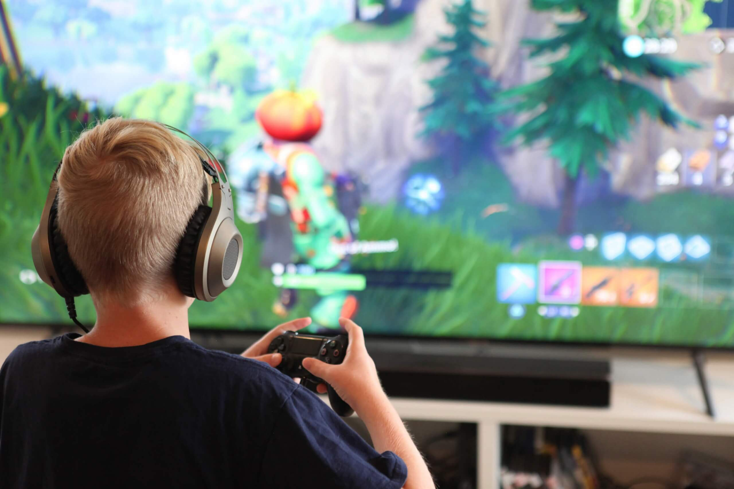 epic makes fortnite cross play default for xbox and playstation players - fortnite xbox one physical