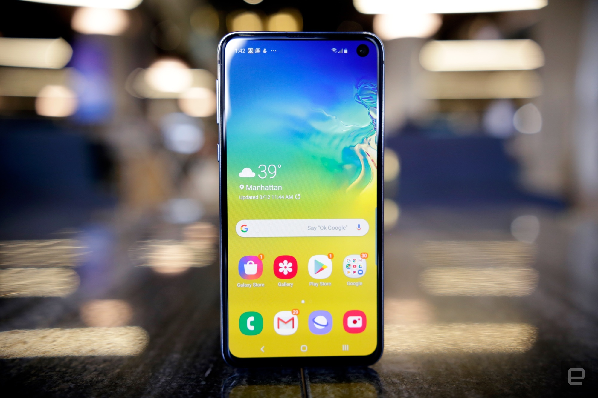 ca13277e8 Samsung Galaxy S10e review round-up  The best phone of 2019  - TechSpot