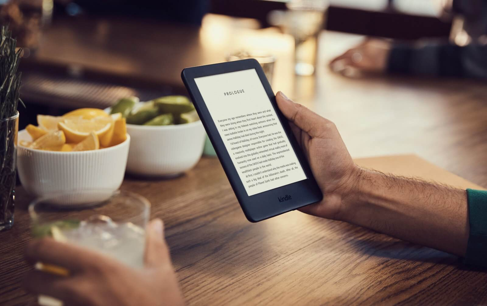 Amazon Launches New Kindle with Front Light for $119.99 in Canada