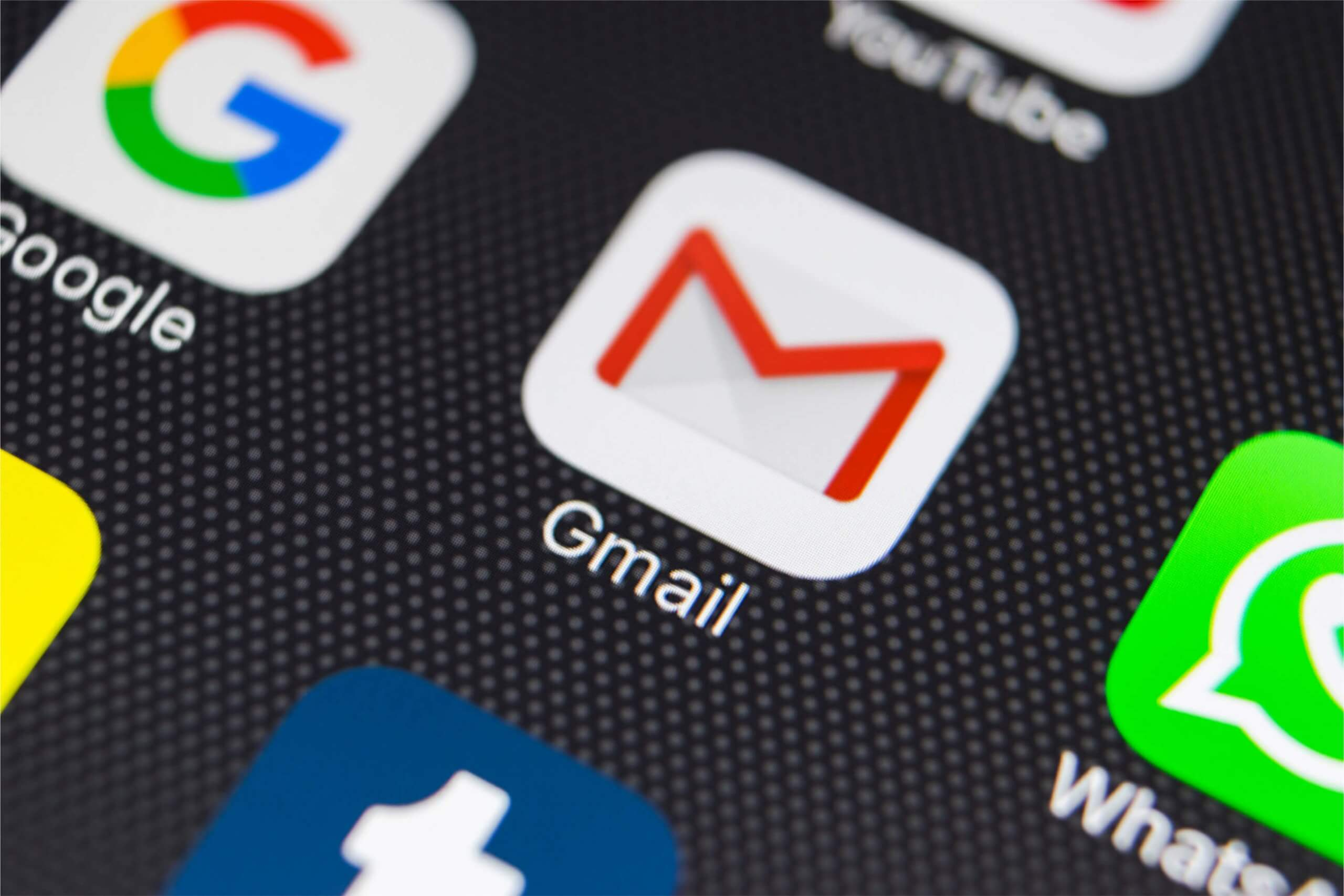 Gmail for iOS Finally Rolling Out Customizable Swipe Actions