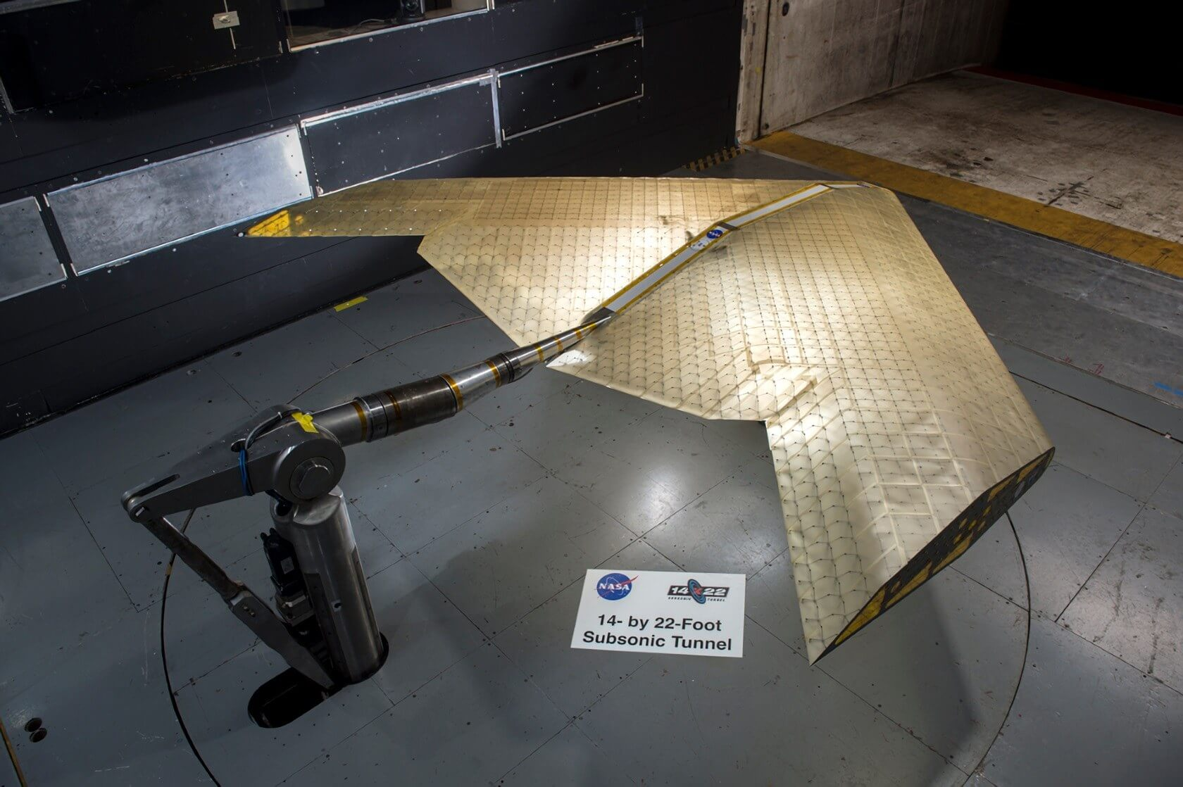NASA, MIT engineers develop aircraft wing that can change shape mid