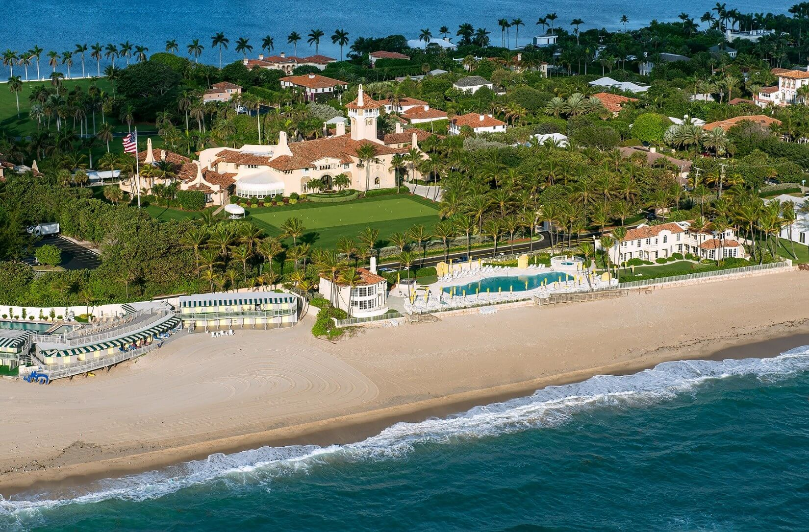 Chinese woman carrying malware-loaded USB drive arrested at Trump's Mar-a-Lago resort