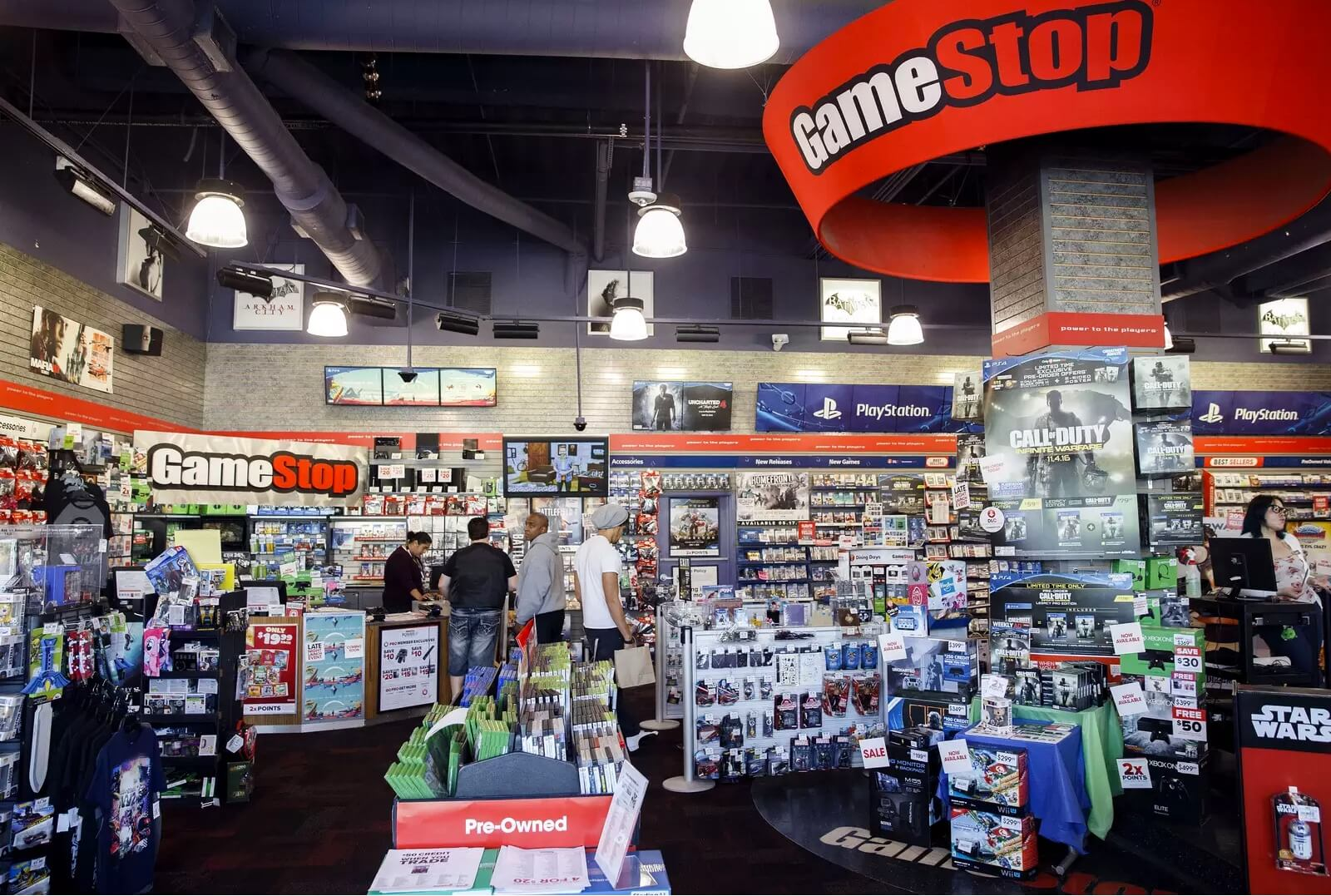 Falling console sales force GameStop into cost-cutting measures