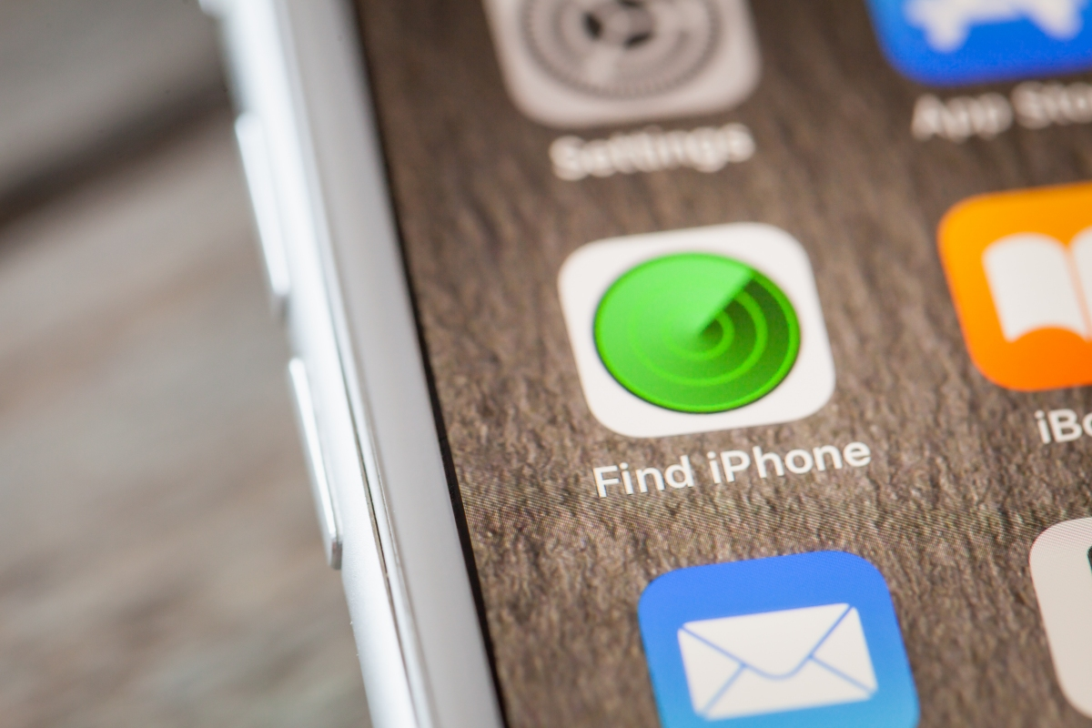 Apple rolling Find My Friends and Find My iPhone into one app, developing Tile-like hardware tracker