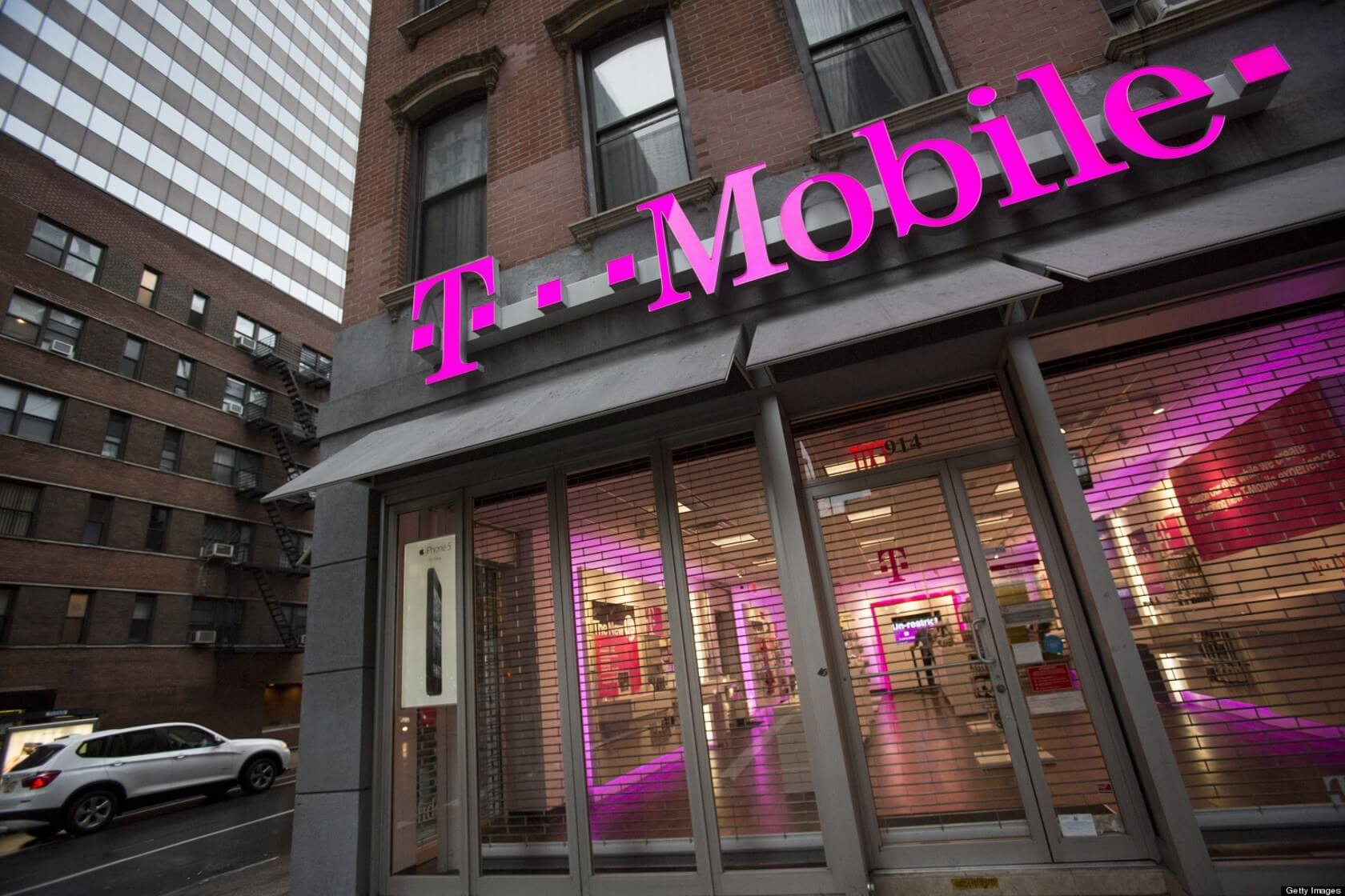 T-Mobile rolls out its 'Money' checking account to all US customers