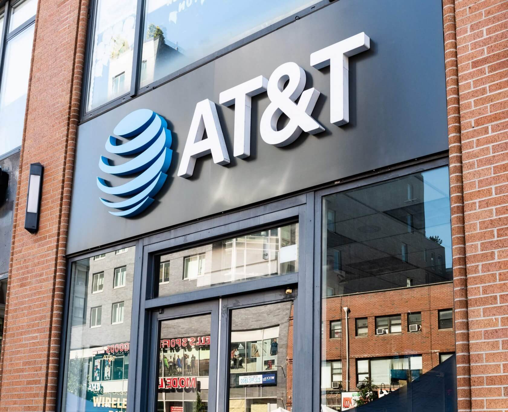 AT&T and Sprint settle misleading '5G E' branding lawsuit