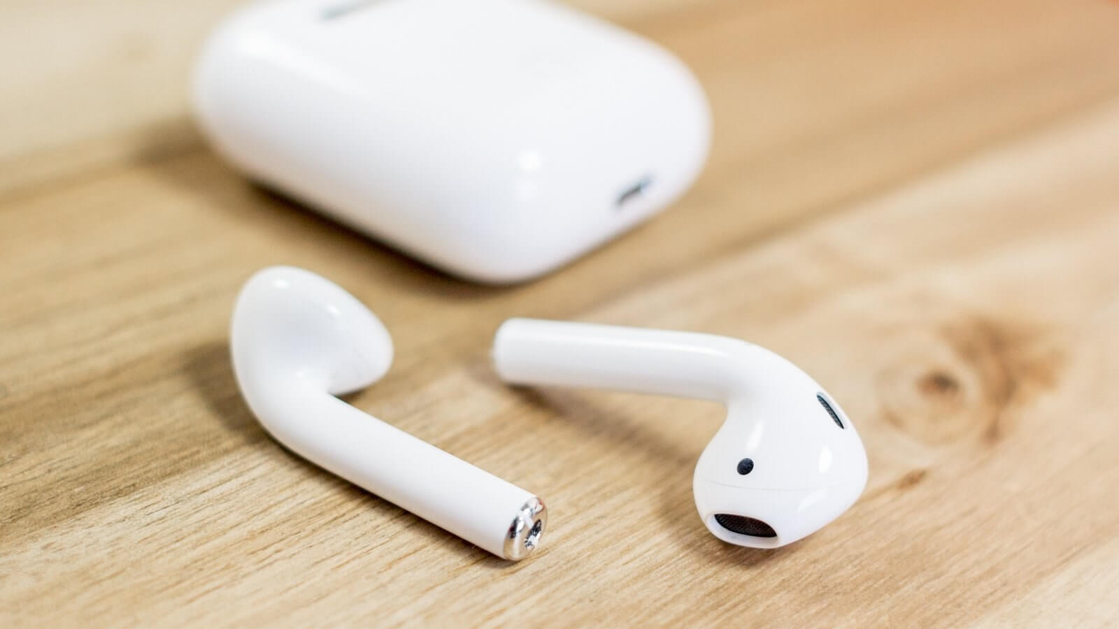 Apple could be planning to launch two new AirPods models by 2020, analyst claims