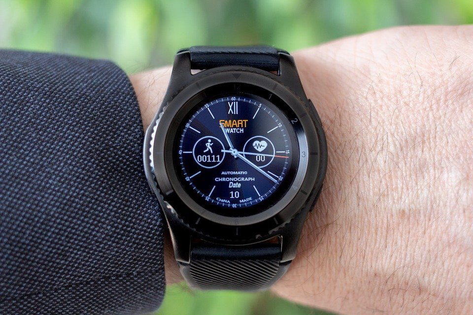 Global smartwatch shipments increased 48 percent year-over-year in Q1