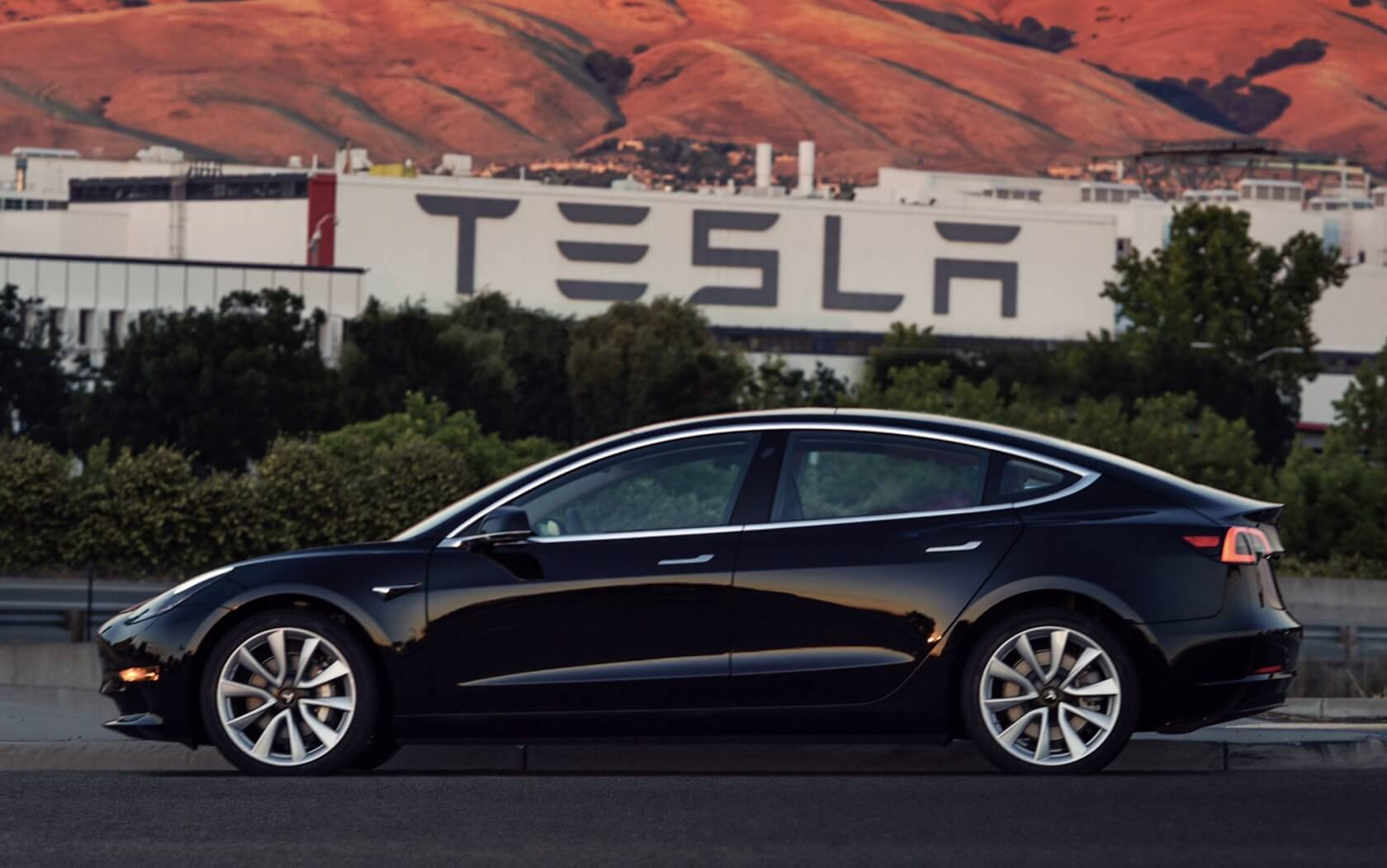 Tesla will take on roughly $2 billion in debt to pad its low cash reserves