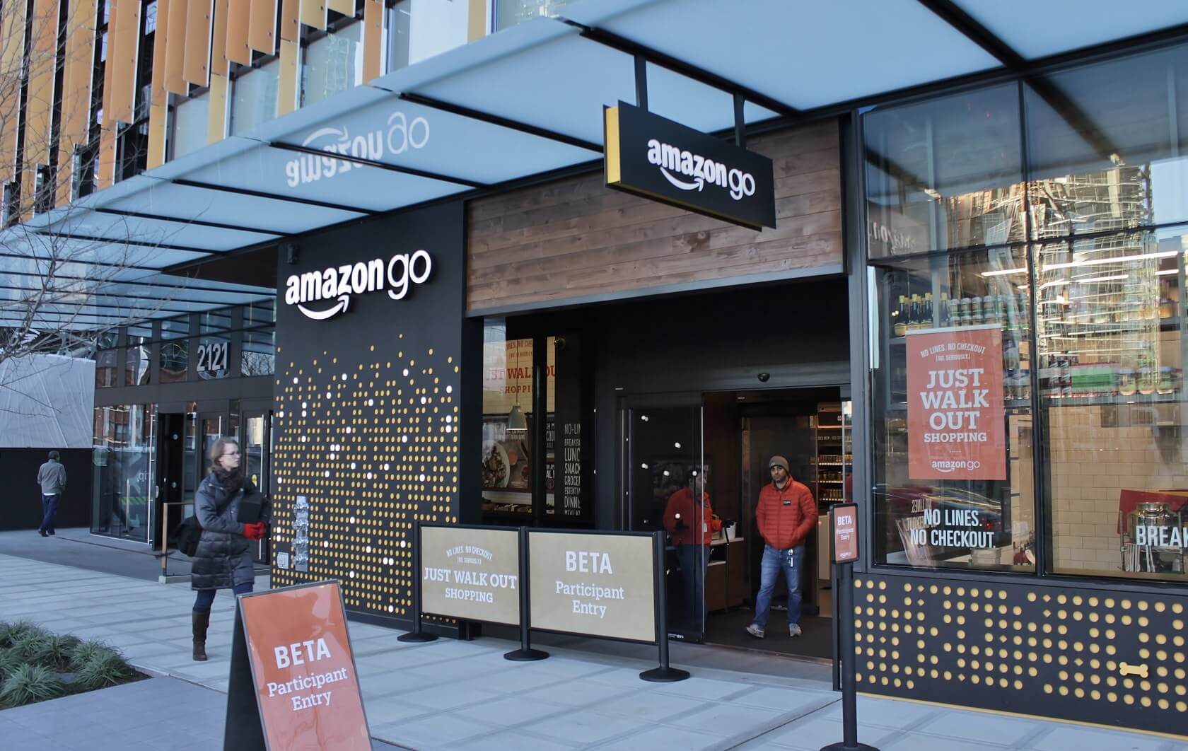 Amazon's Go store in NYC opens as the first to accept cash