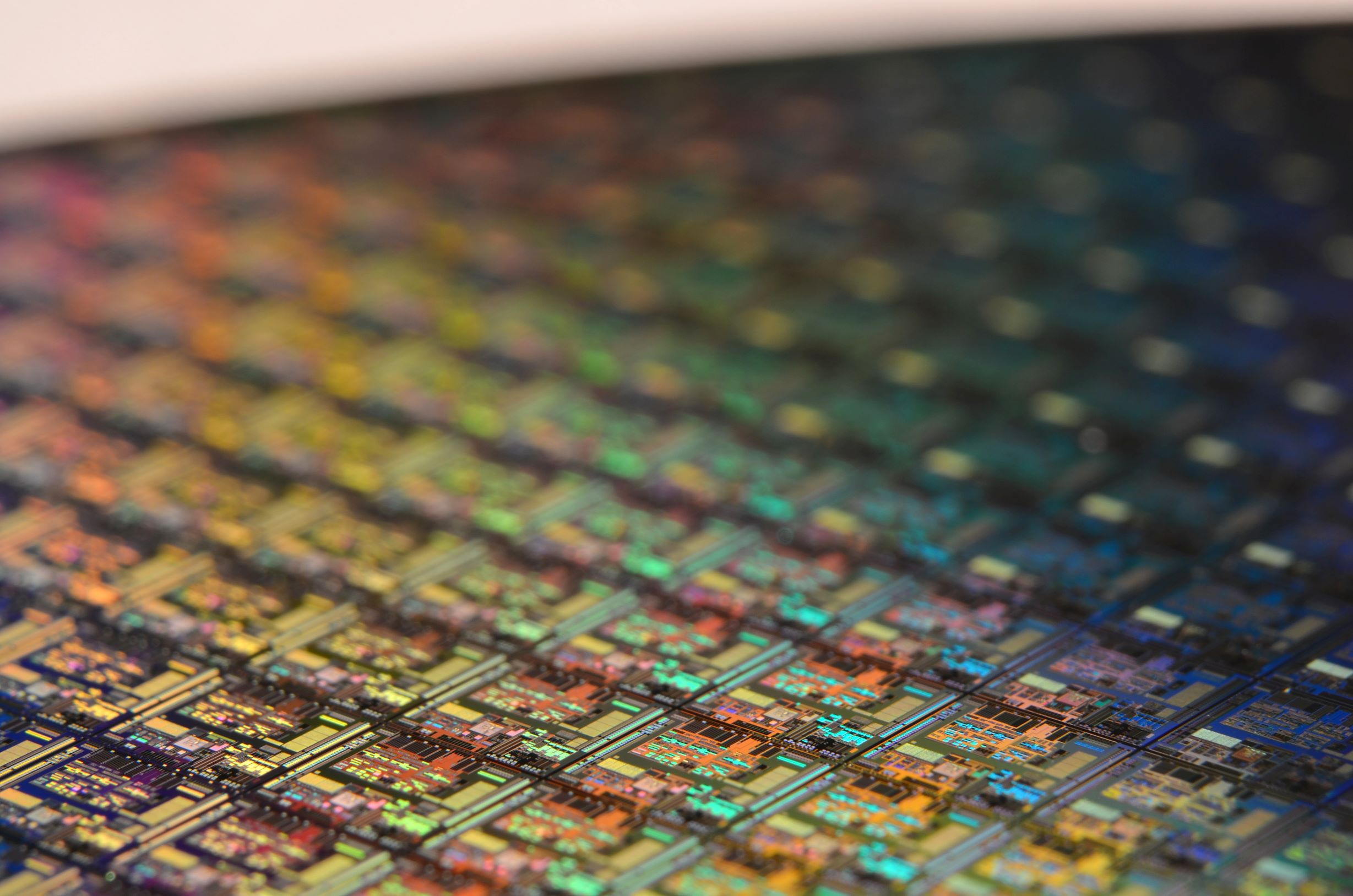 TSMC's 7nm+ EUV is in production, improves performance by 10%