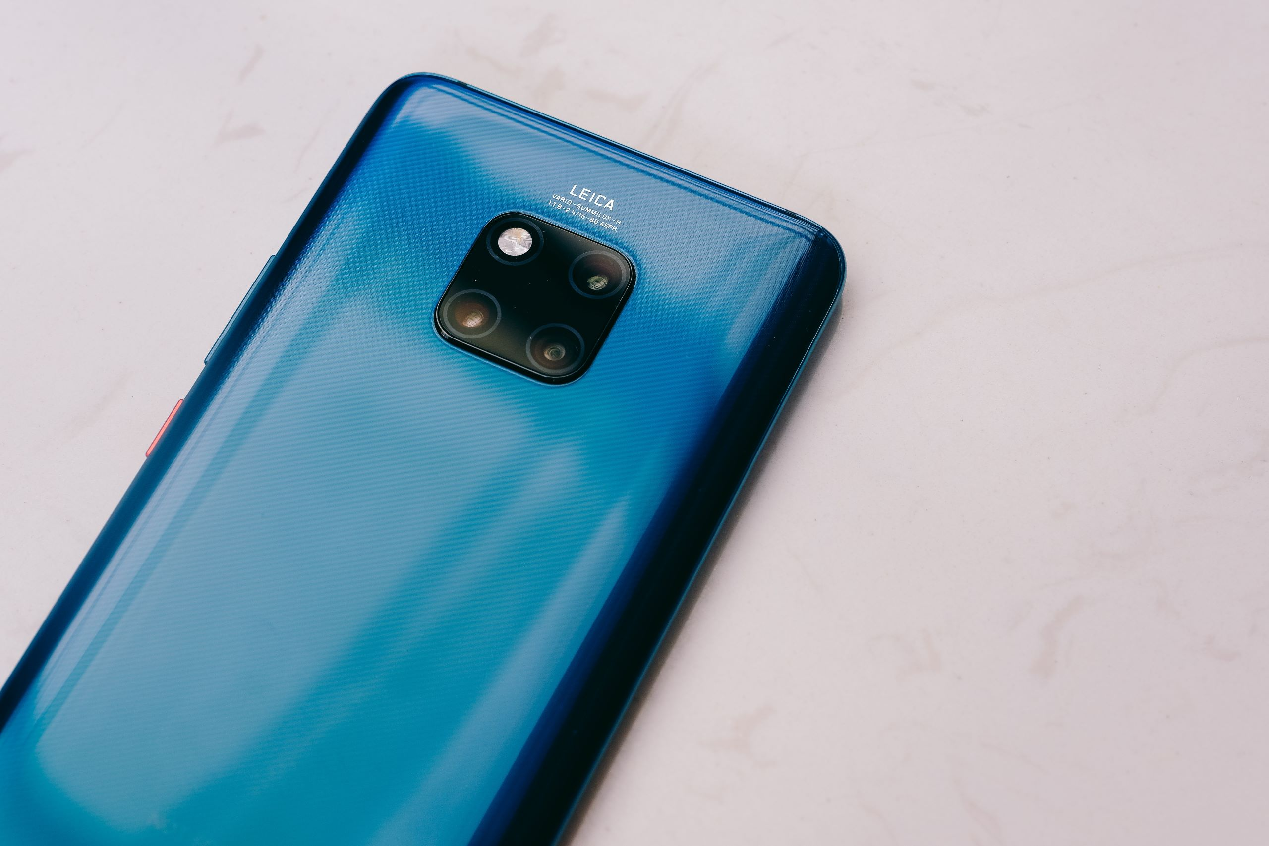Huawei ditches unwanted lock screen ads