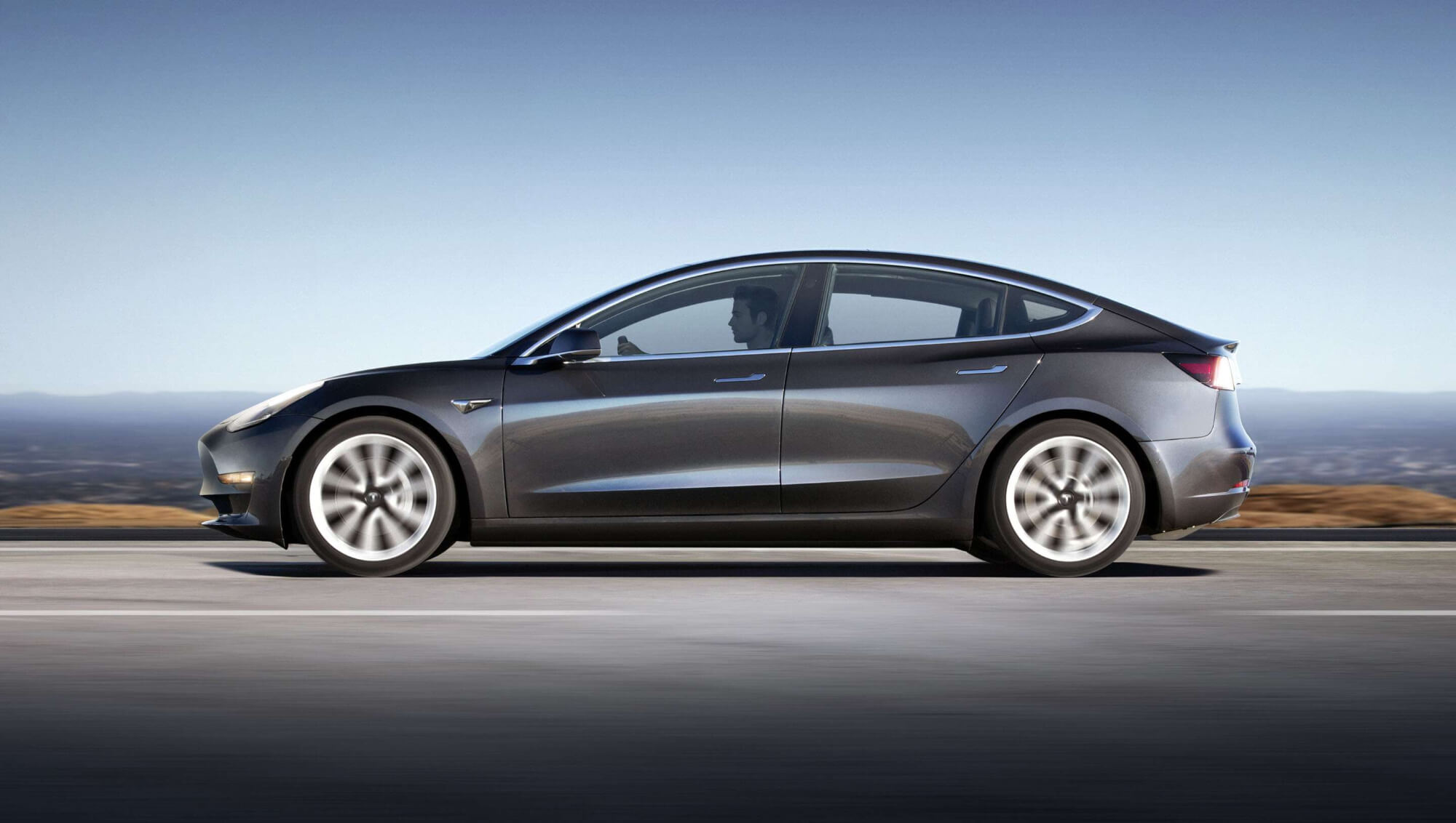 Tesla starts selling used Model 3 cars online