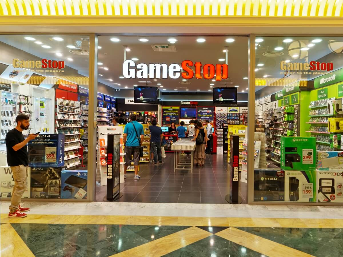 GameStop to close 180-200 stores globally, many more closures coming