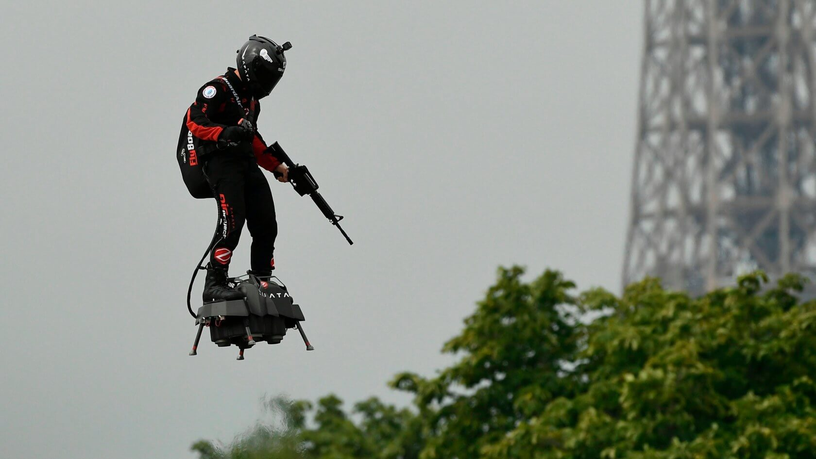 'Hoverboard' inventor Franky Zapata will cross the English Channel using his 'Flyboard Air'