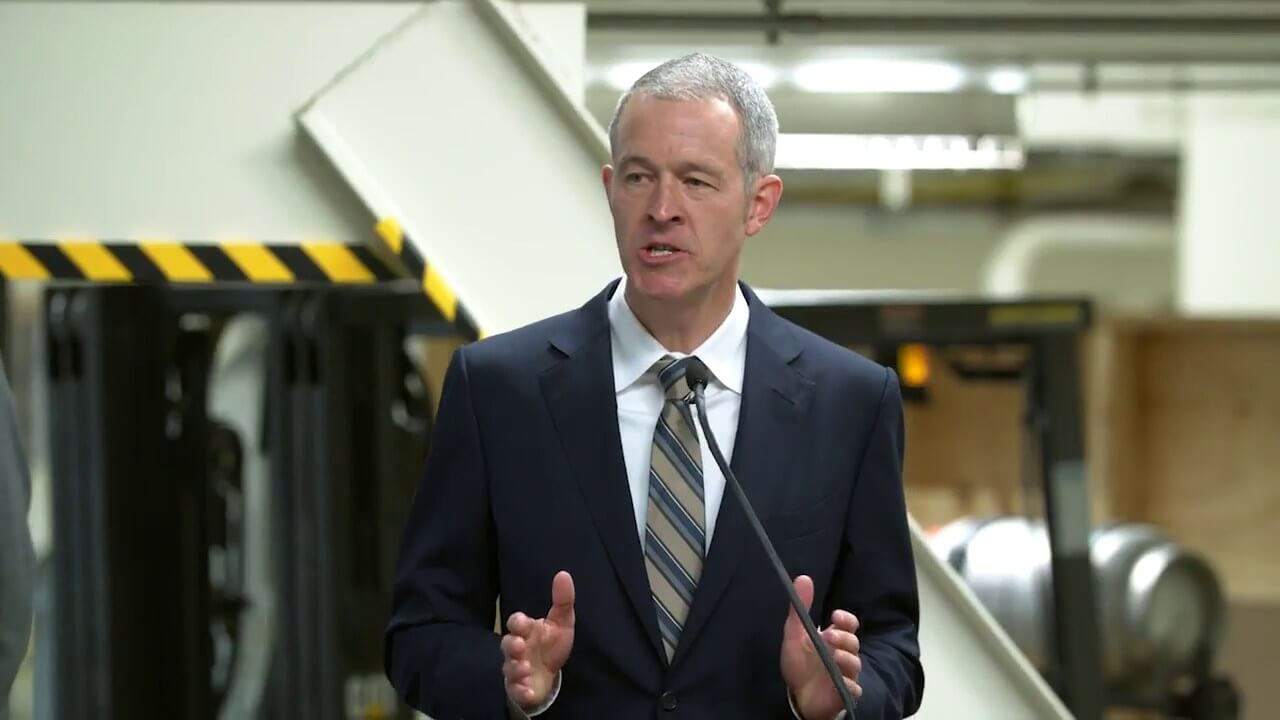 Apple COO Jeff Williams, potentially its next CEO, is more like Tim Cook than Steve Jobs