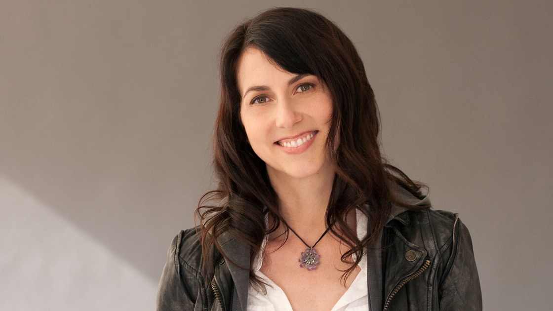 MacKenzie Bezos is now officially the second largest Amazon shareholder