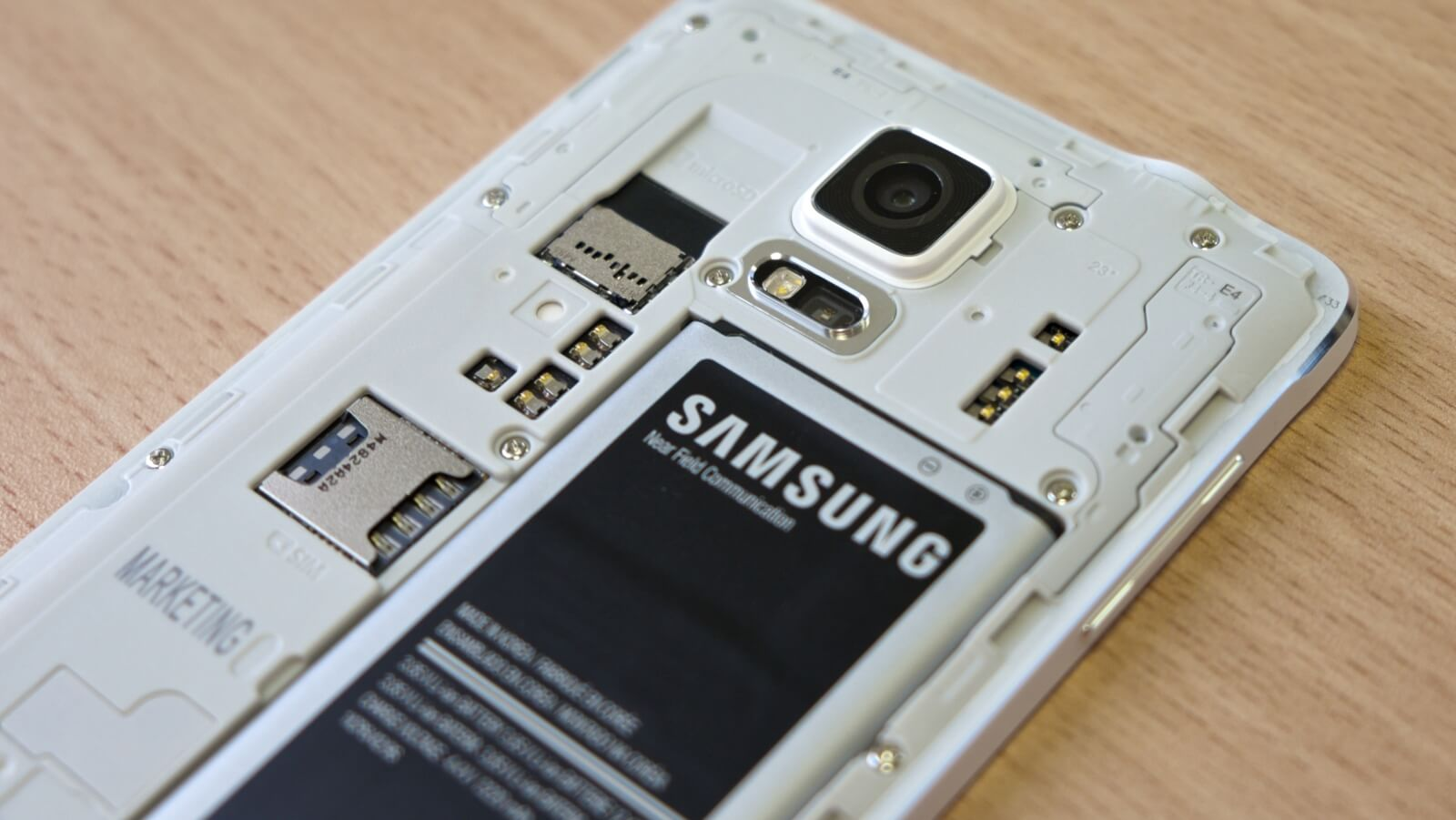 Samsung rumored to be readying graphene batteries that can fully charge in under half an hour