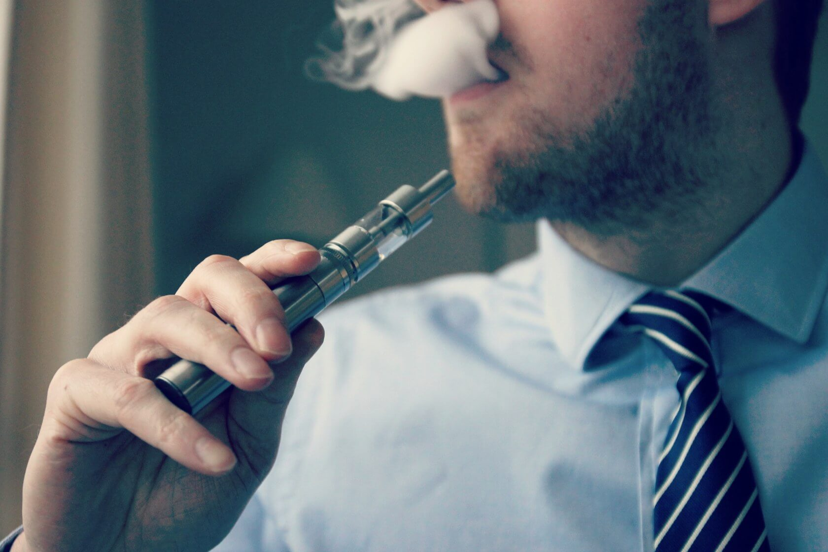 Health Officials Issue New Warning On Vaping-Related Illnesses After New Fatalities