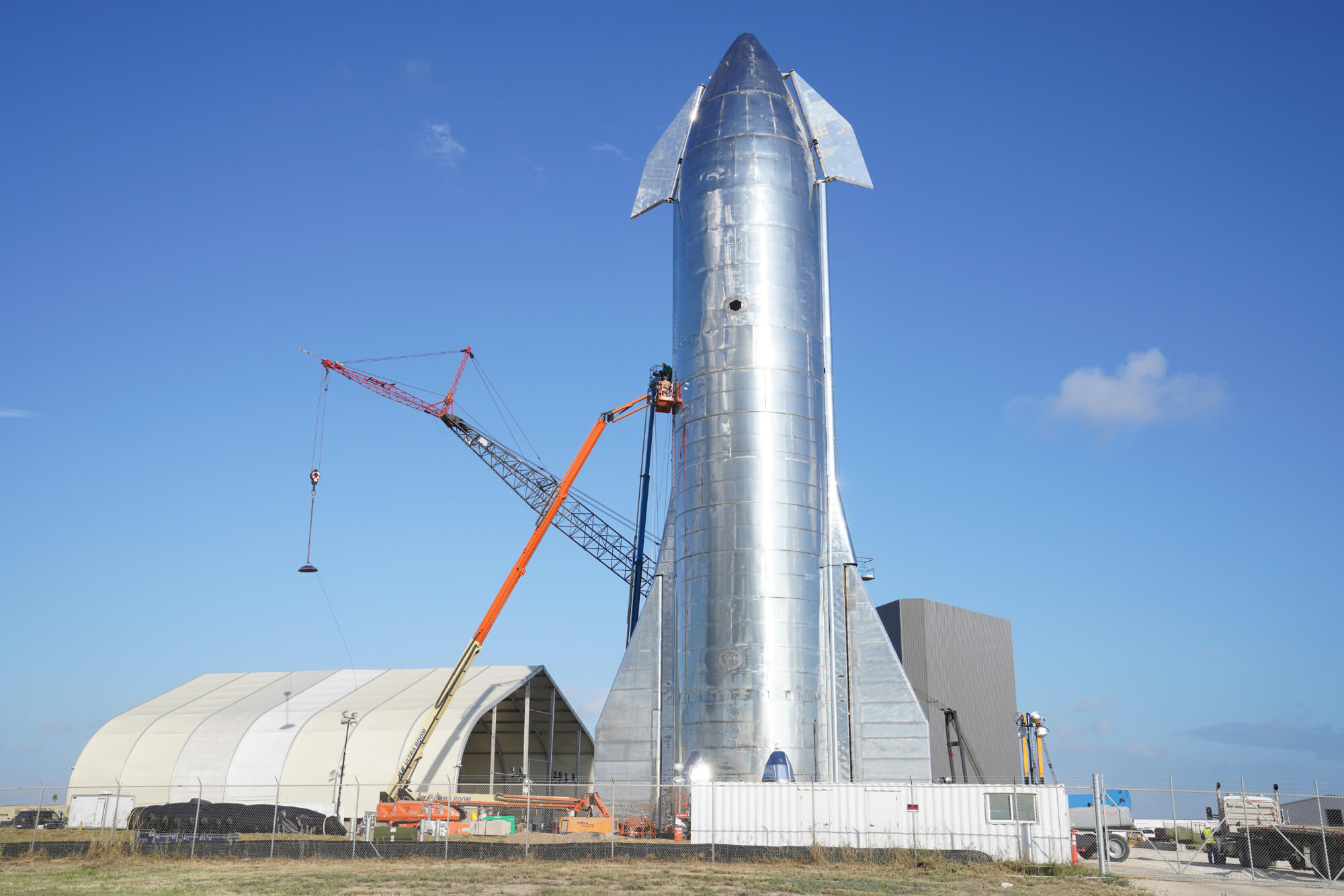 SpaceX plans high-altitude test flight for its SN8 starship next week