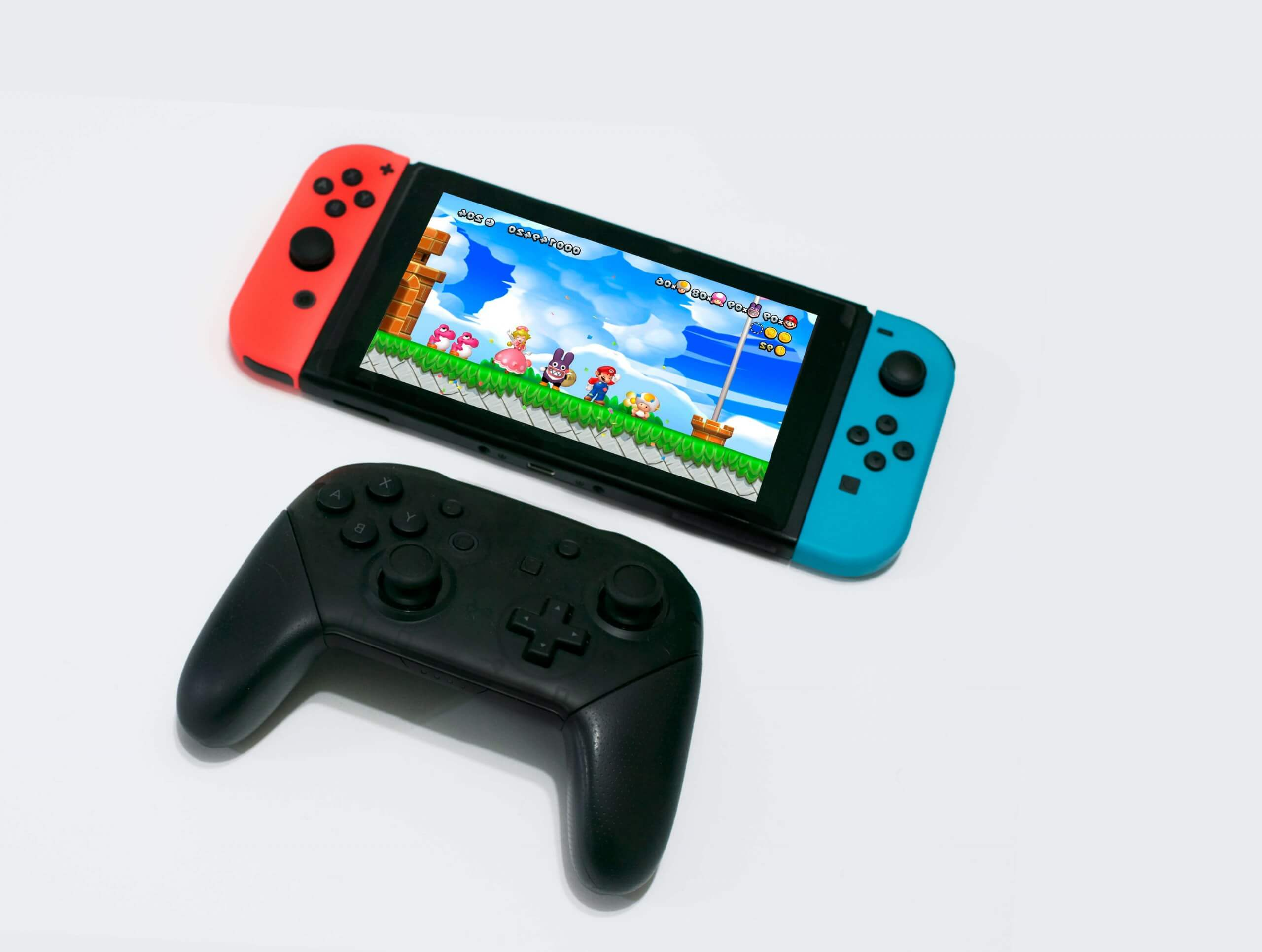 Nintendo quietly releases new Switch Pro controller