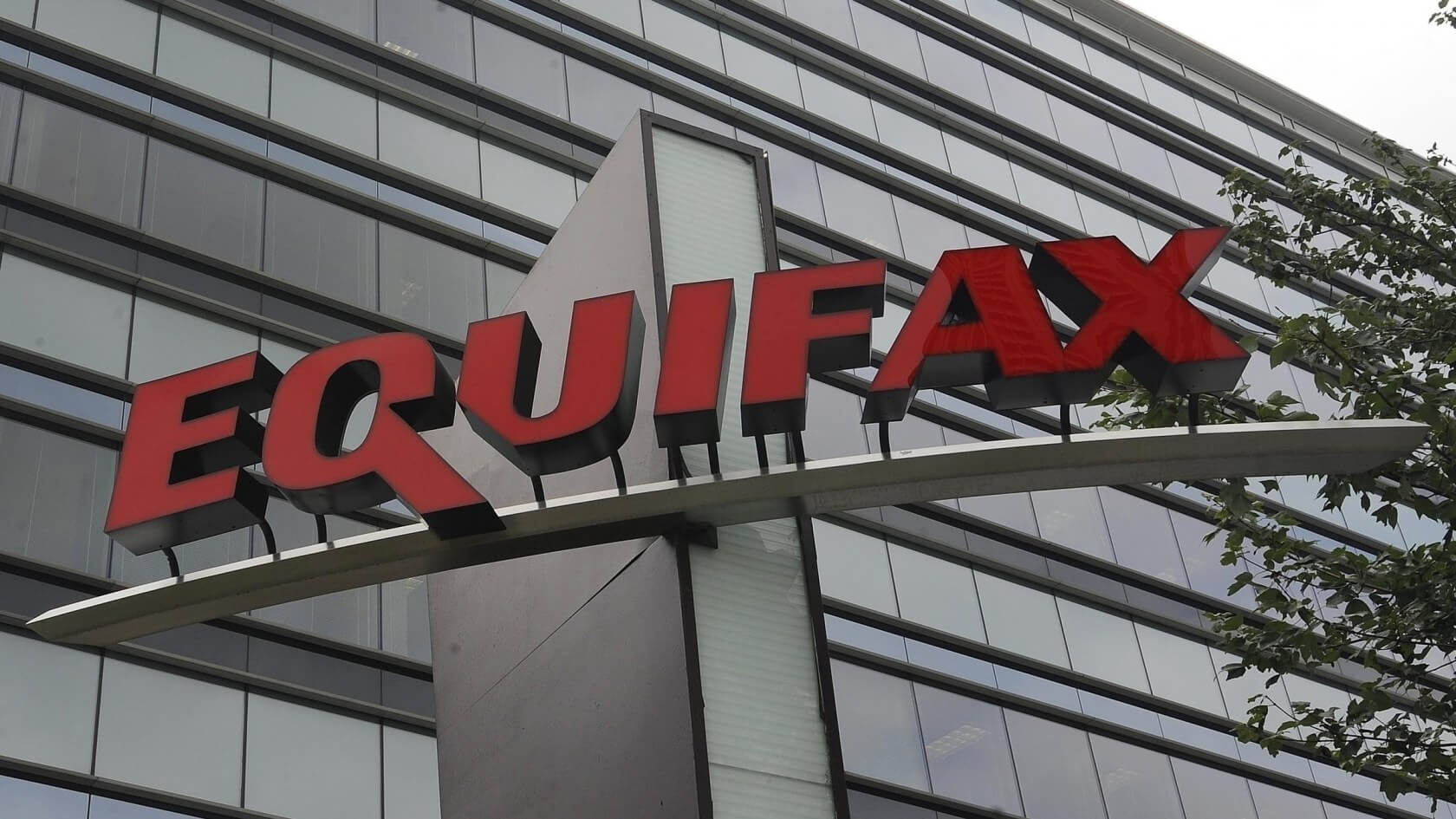 Class action lawsuit claims Equifax used the default 'admin' credentials during 2017 data breach