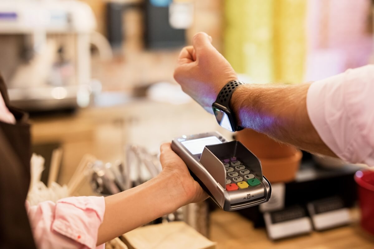 Apple Pay surpasses Starbucks as the top mobile payment platform in the US