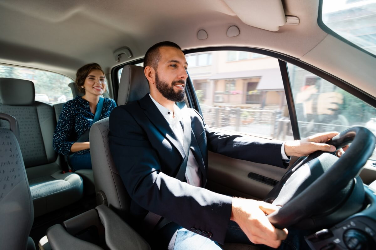 Most Uber riders don't tip their drivers, study finds
