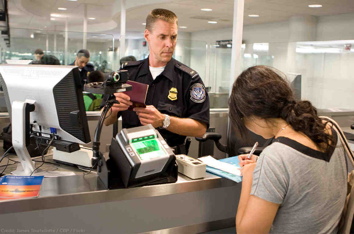 Federal court slaps device search limits on USA border security