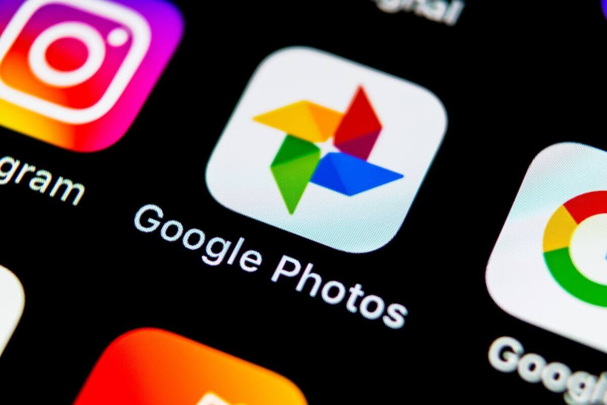 Google Photos Now Lets You Manually Tag People in Photos