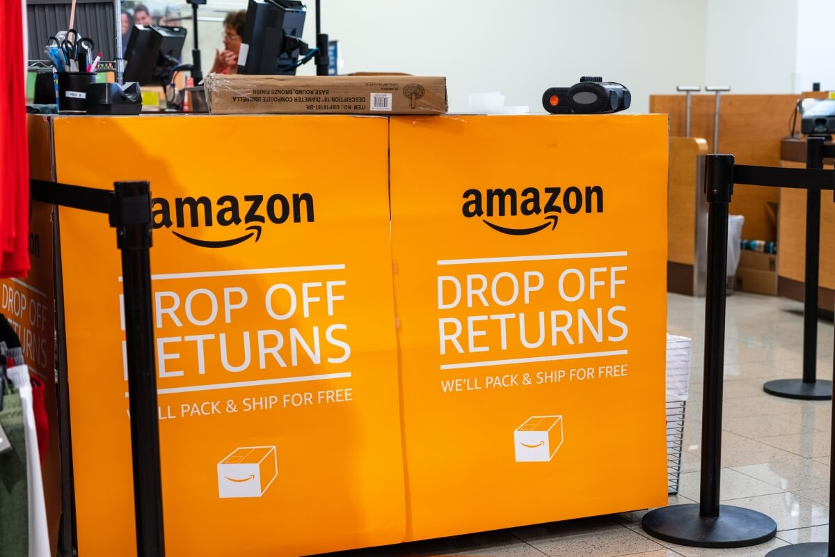 Amazon expands free return policy through the holidays