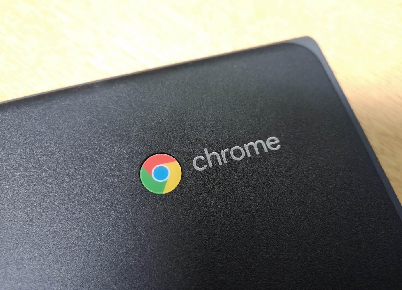 Google is working to bring Valve's Steam to Chromebooks