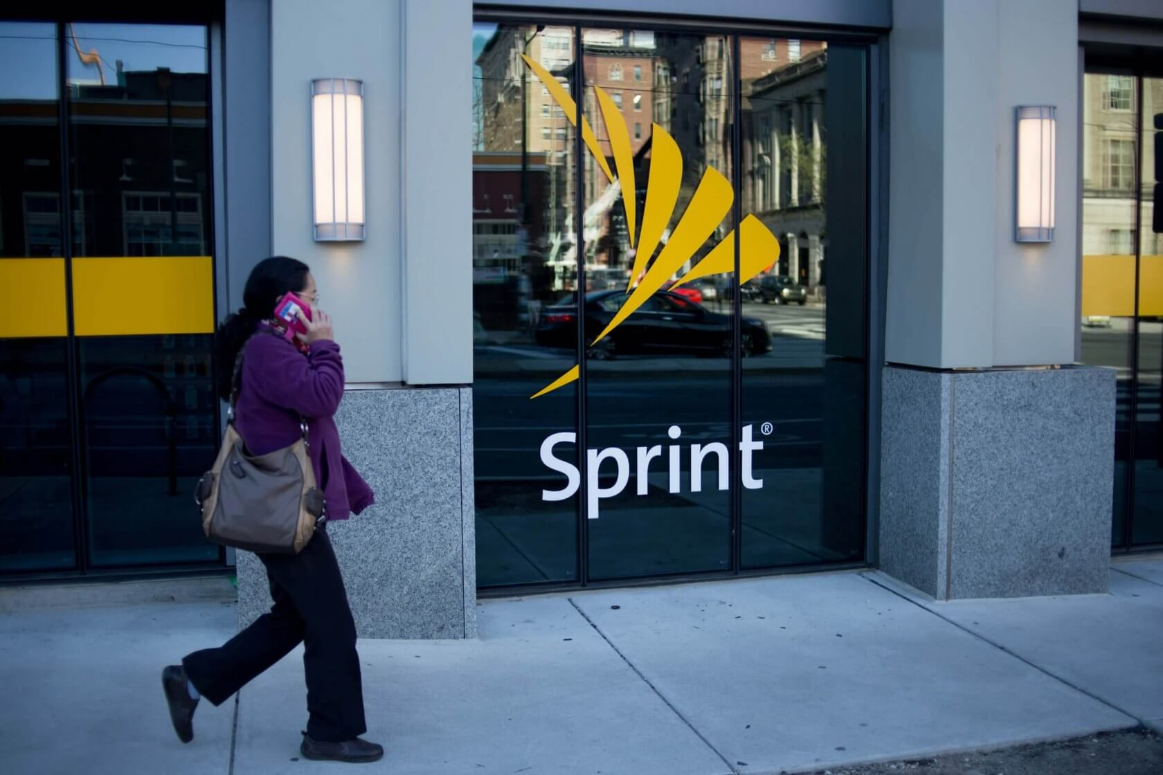 Sprint will fix your Samsung Galaxy's cracked screen for $49 - TechSpot