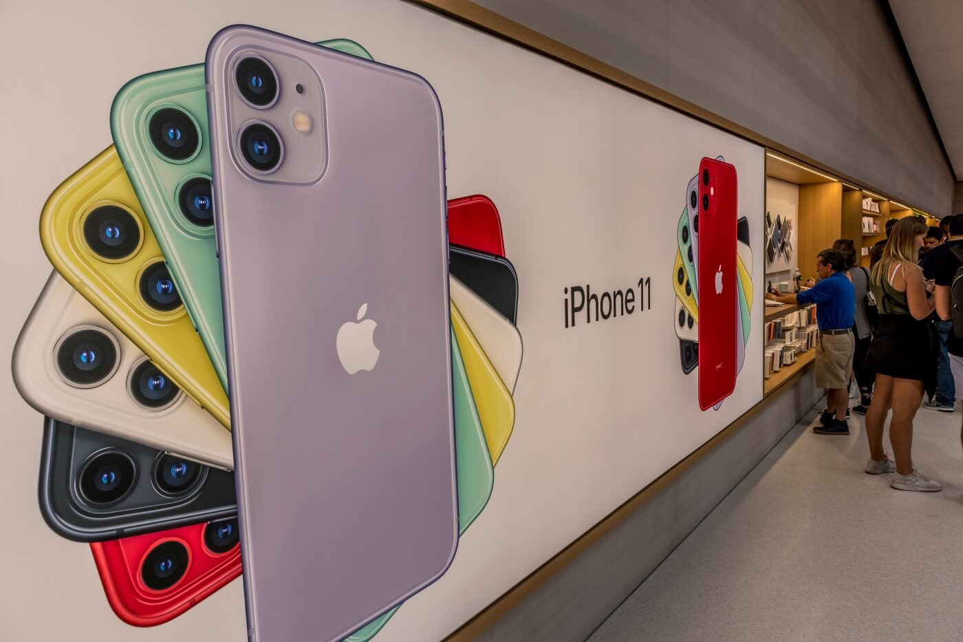 Apple turns in record-setting quarterly report fueled by strong iPhone 11 sales