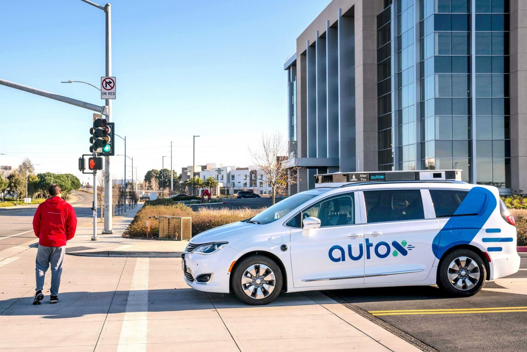 Fiat Chrysler partners with self-driving car startup AutoX to bring a robo-taxi service to China by Q3 2020