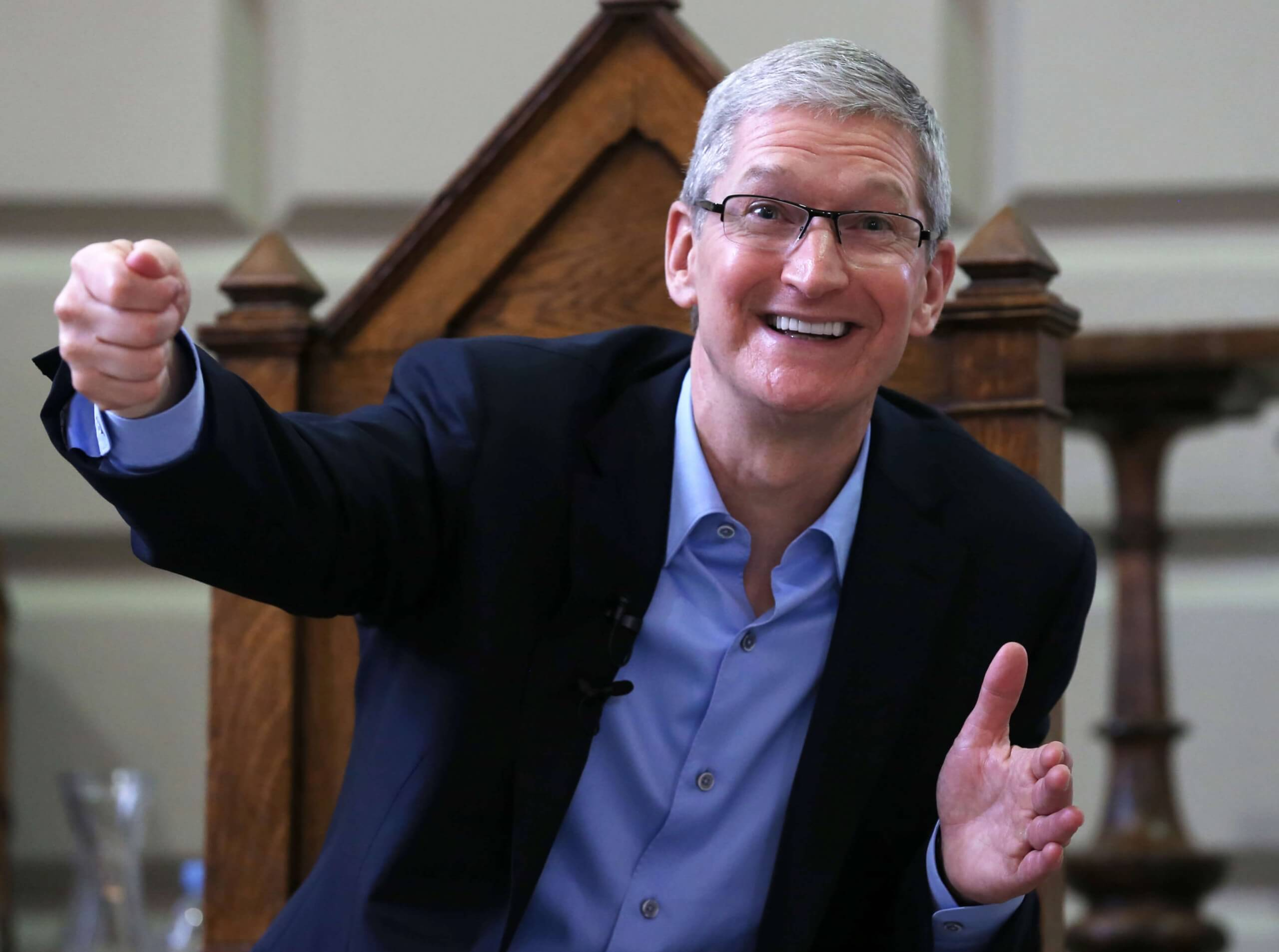 Court grants Apple a temporary restraining order against man who was stalking Tim Cook