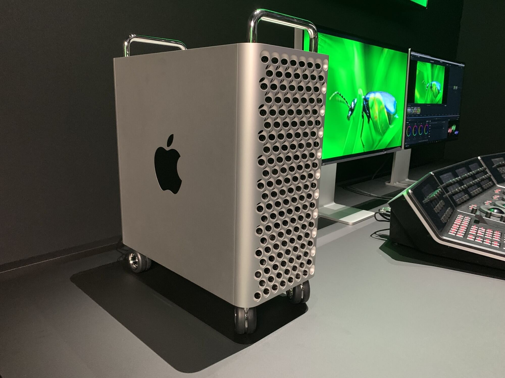 A 64-core Mac Pro priced at $19,000+ rumored to arrive next year