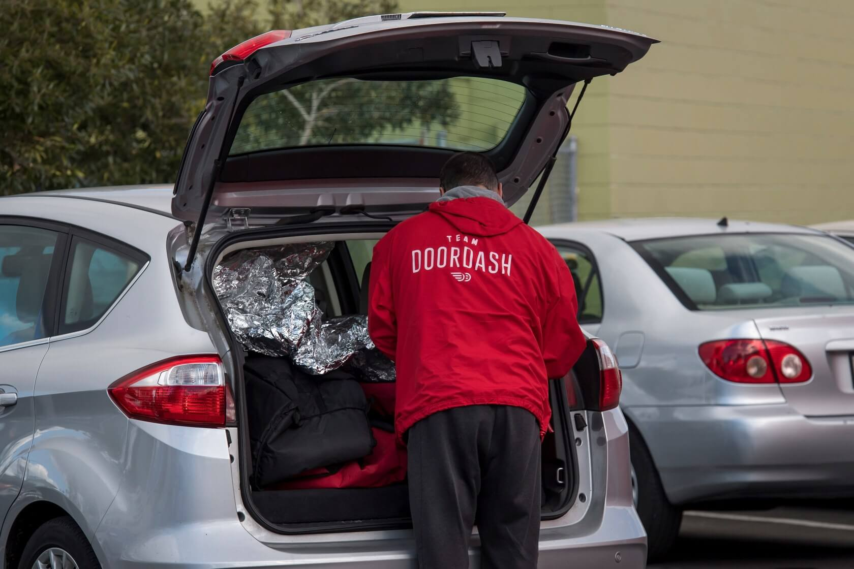 DoorDash begins offering convenience store delivery