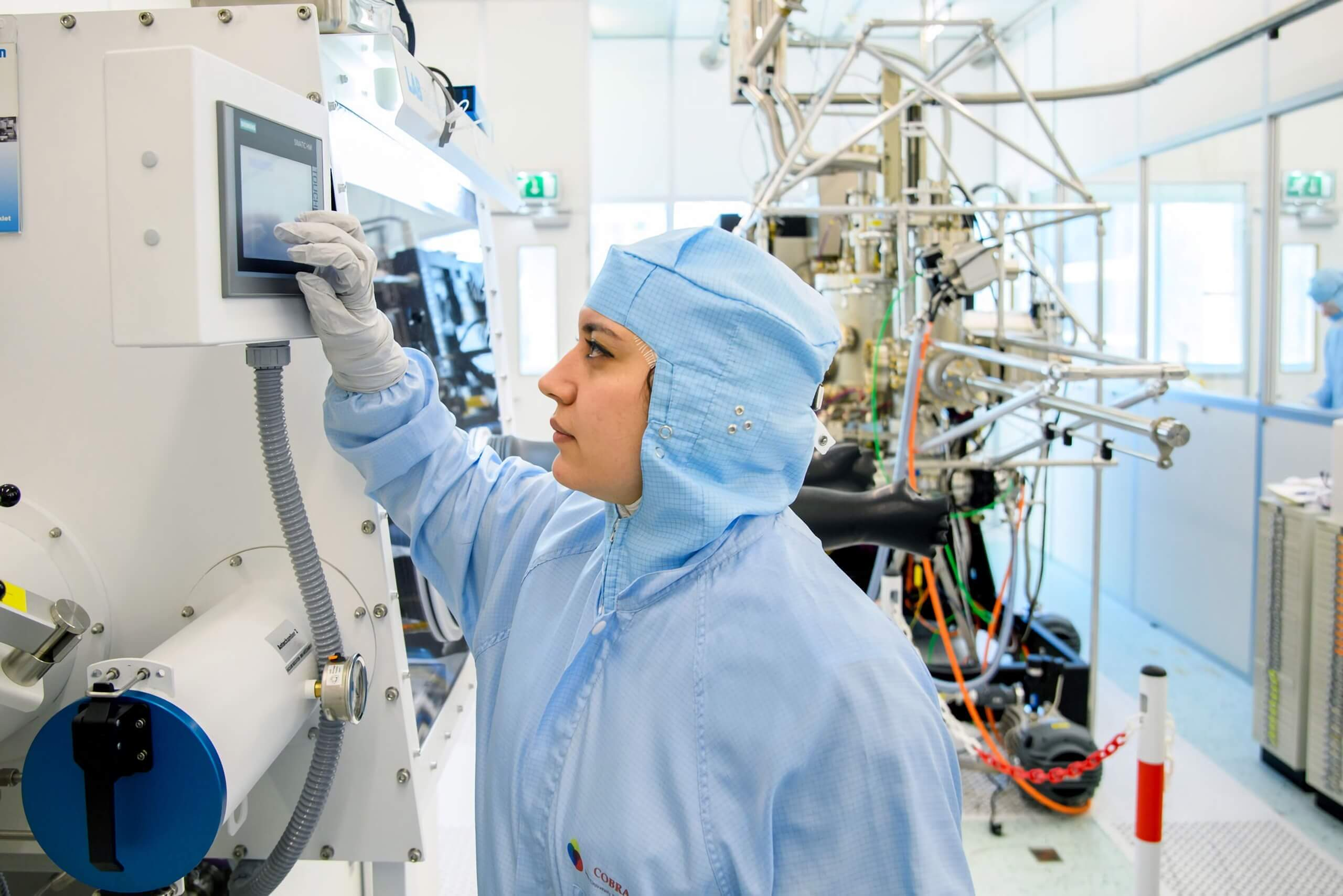 Researchers at Eindhoven have finally developed photonic silicon