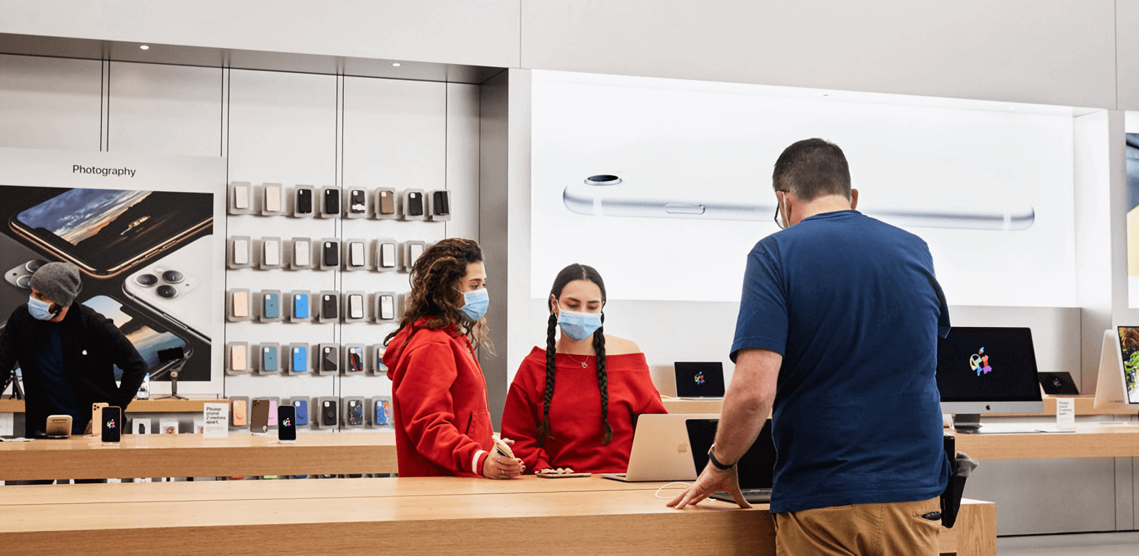 Apple shares retail store reopening strategy