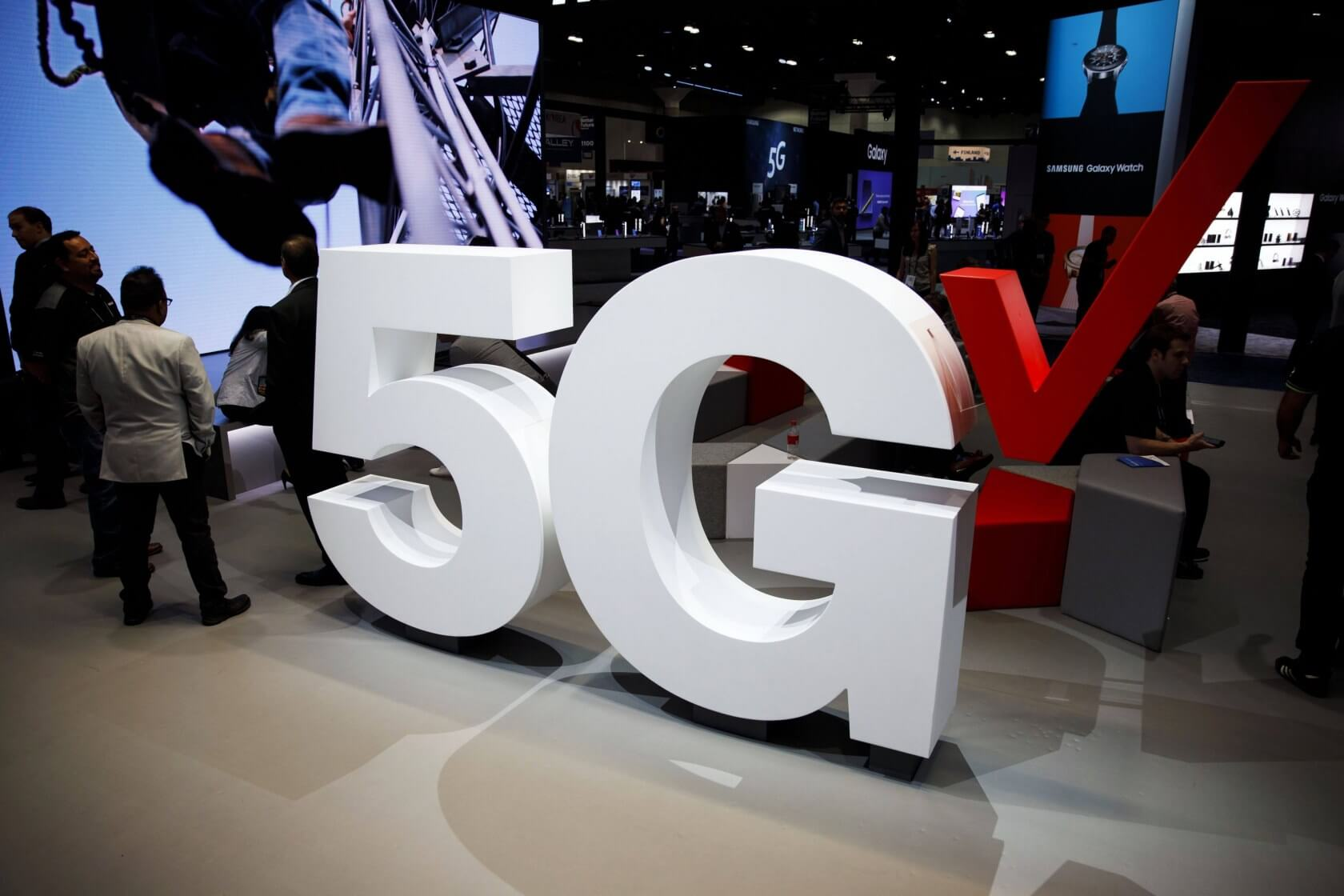 Verizon enables 5G uploads in 35 cities, boosting speeds by 30 percent
