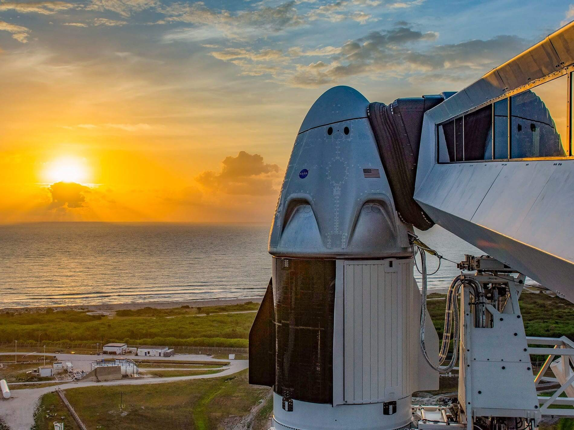 Bad weather delays SpaceX's crewed launch