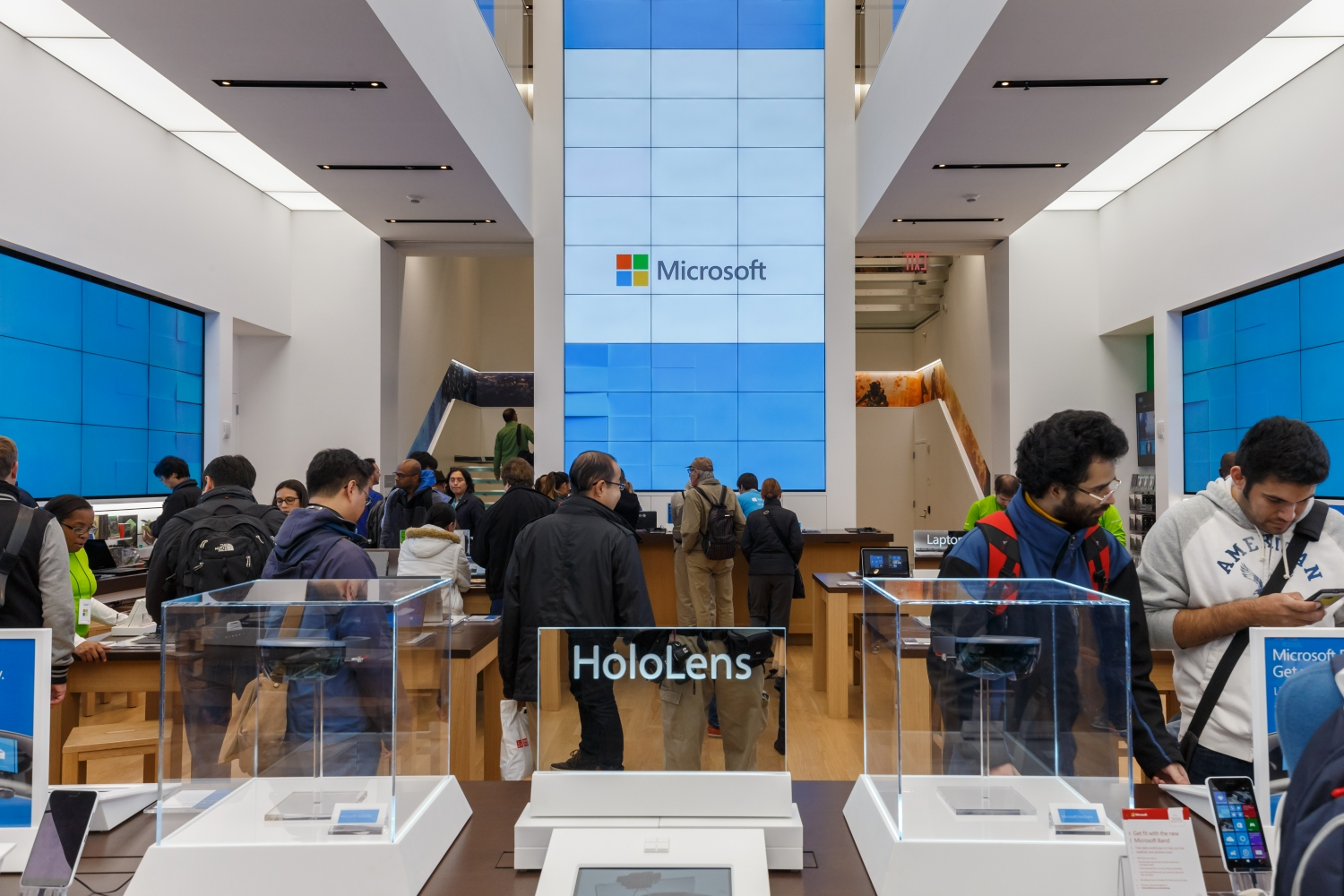 Microsoft is permanently closing all of its retail stores