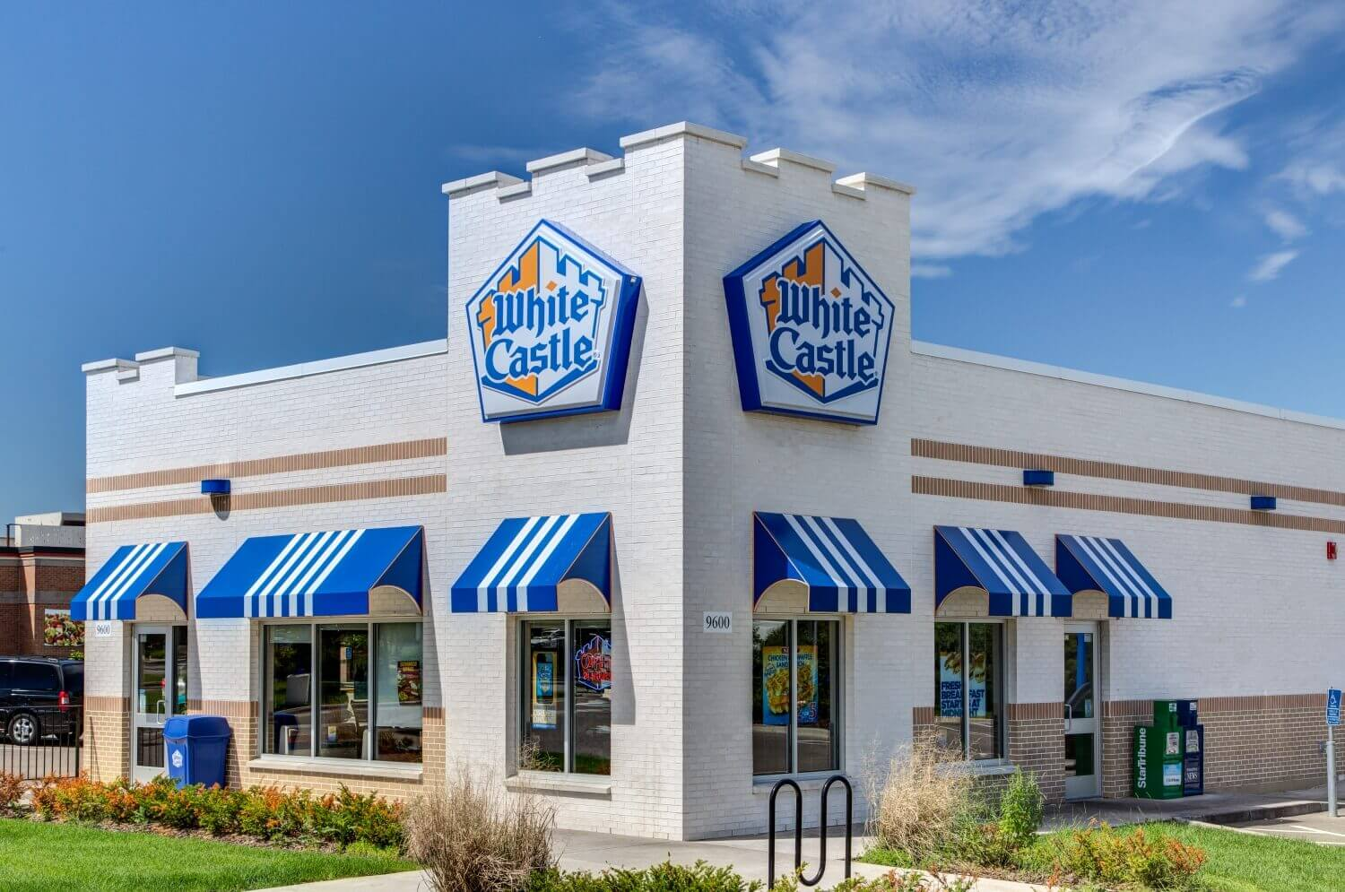 White Castle is replacing cooks with robots in some restaurants