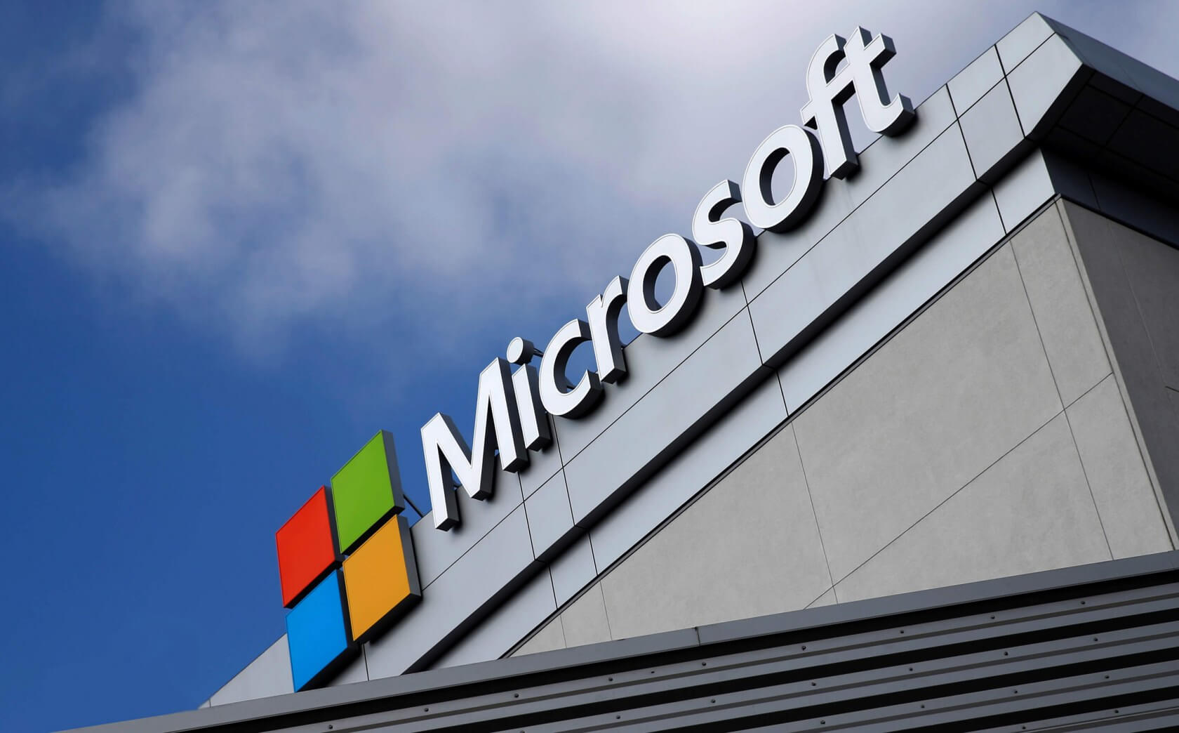 Microsoft won't open its physical offices until early 2021 1