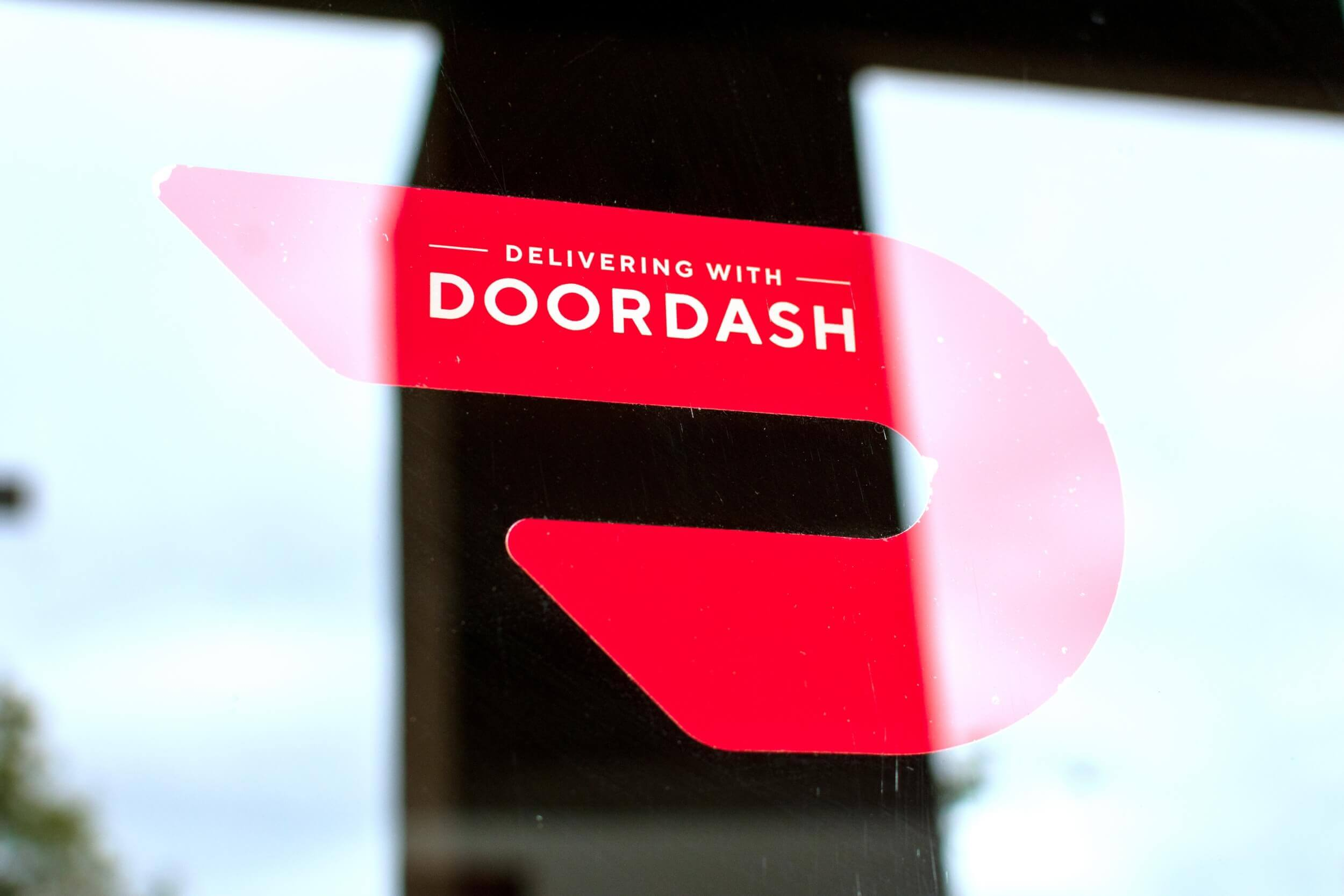 DoorDash launches DashMart, a virtual convenience store chain that could challenge traditional e-commerce