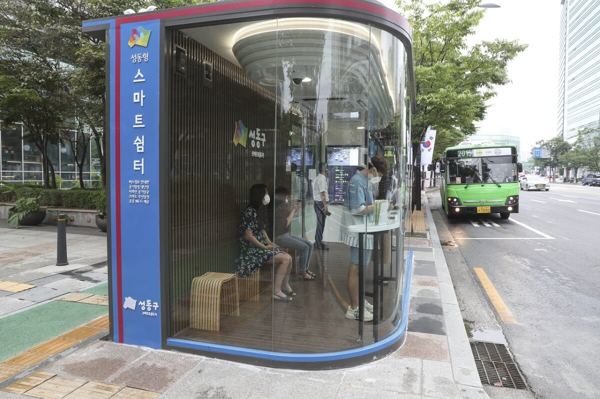 South Korea's high-tech bus shelters use temperature sensors and UV lights to fight Covid-19