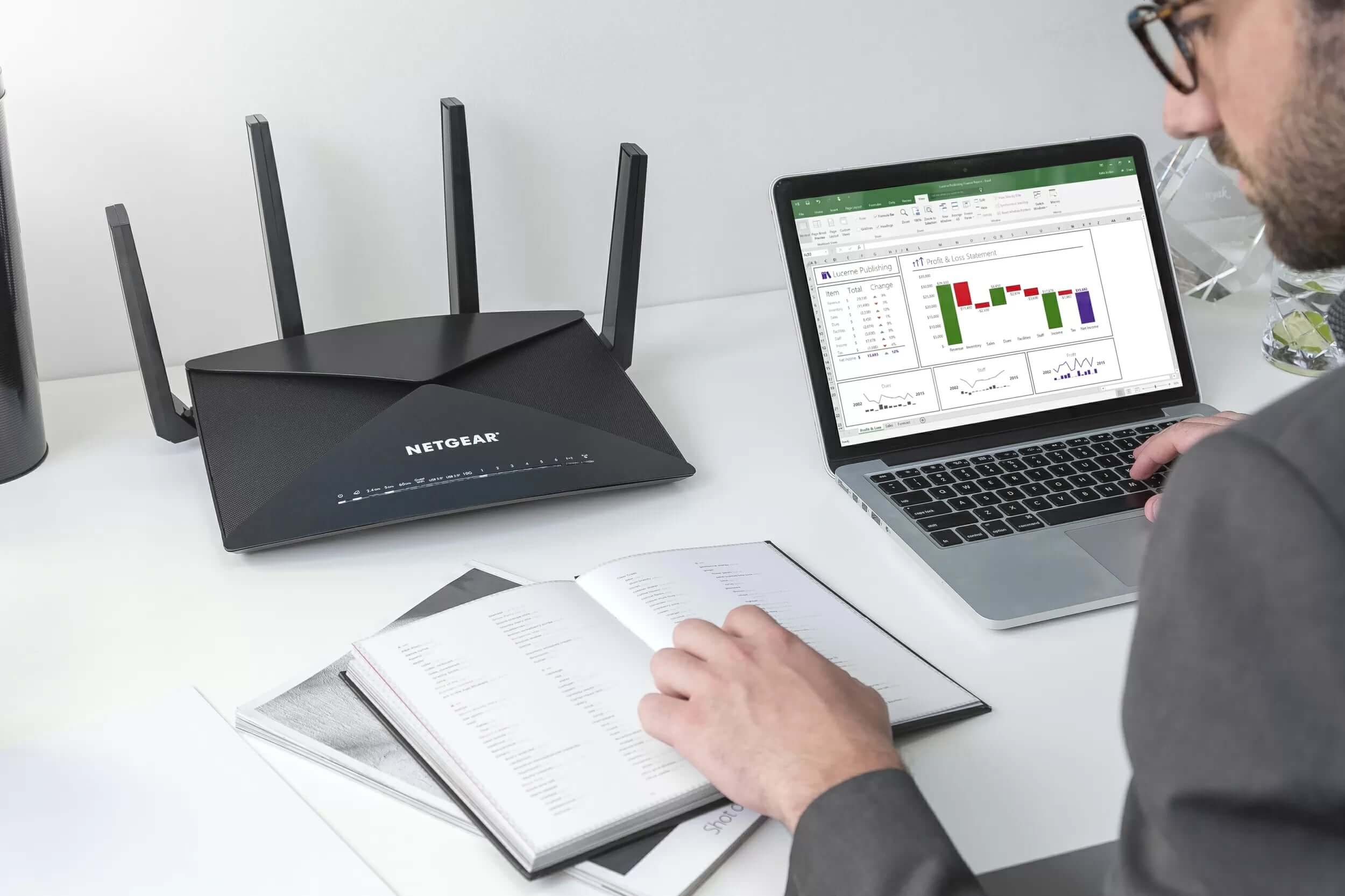 Netgear's latest Nighthawk router comes with all the bells and whistles