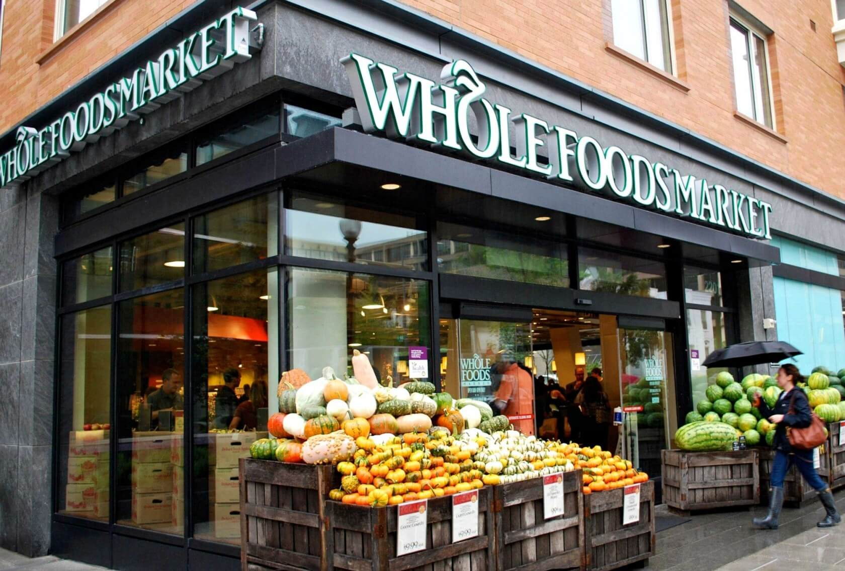 Amazon will reportedly bring its cashierless retail tech to Whole Foods in 2021